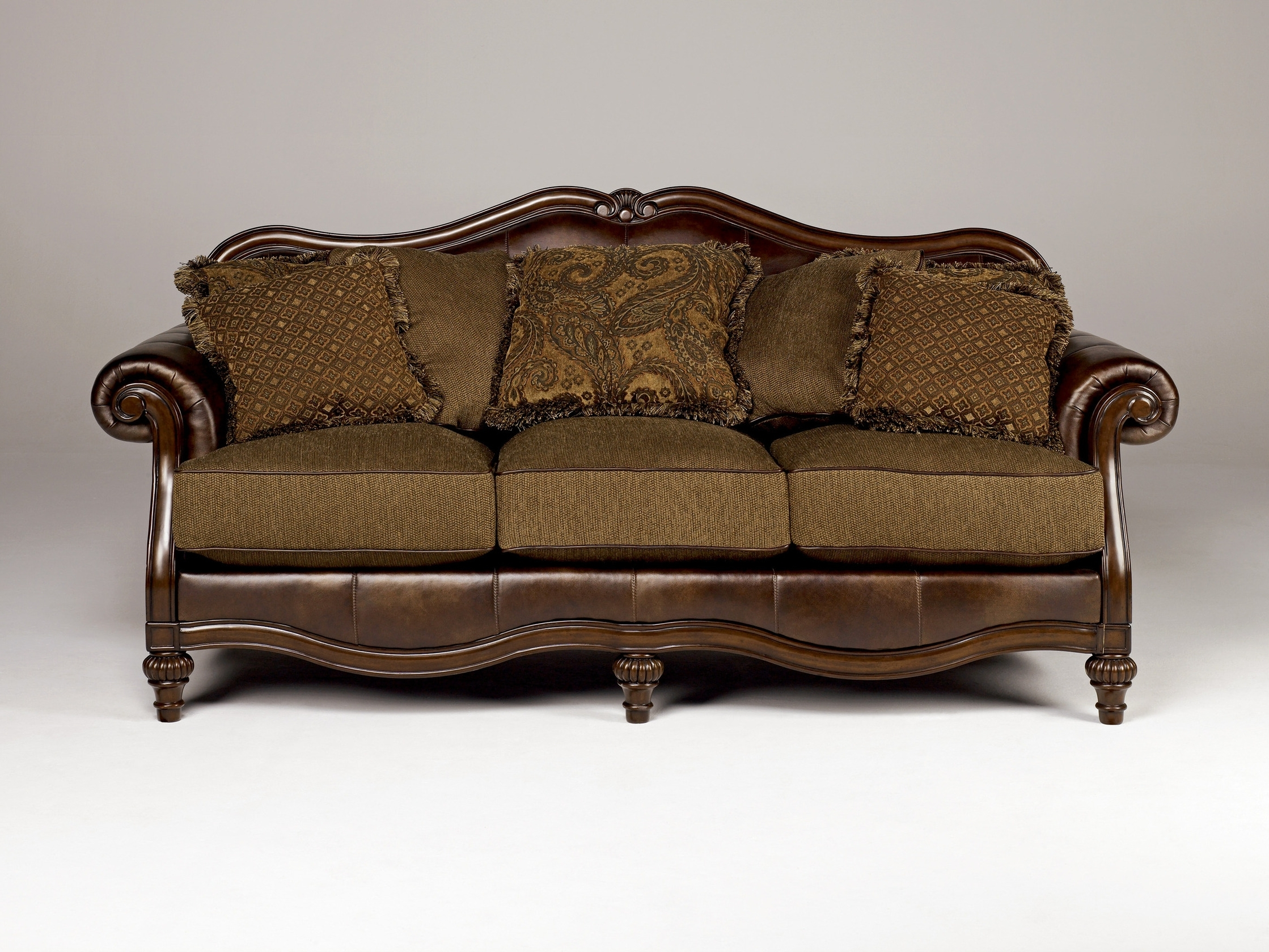 2017 Chintz Sofas And Chairs Inside Truffle Traditional Sofa Set Old World Couch Wood Trim Cozy Fabric (View 10 of 15)
