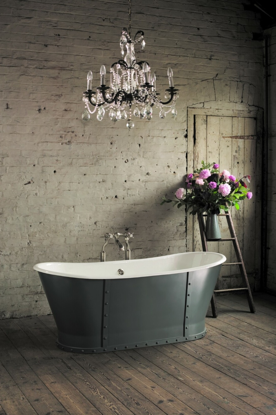 21 Ideas To Decorate Lamps & Chandelier In Bathroom Pertaining To Best And Newest Chandelier In The Bathroom (View 1 of 15)