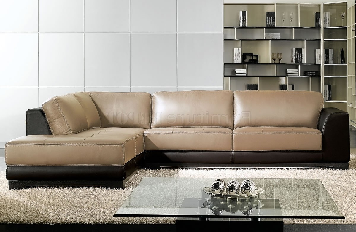 Airstream Furnishings For Sleek Sectional Sofas (View 6 of 15)