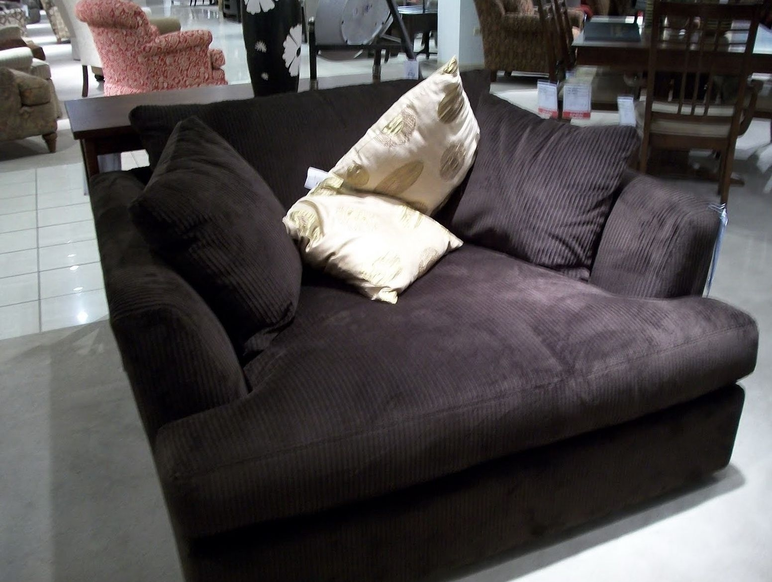 Featured Photo of Oversized Sofa Chairs