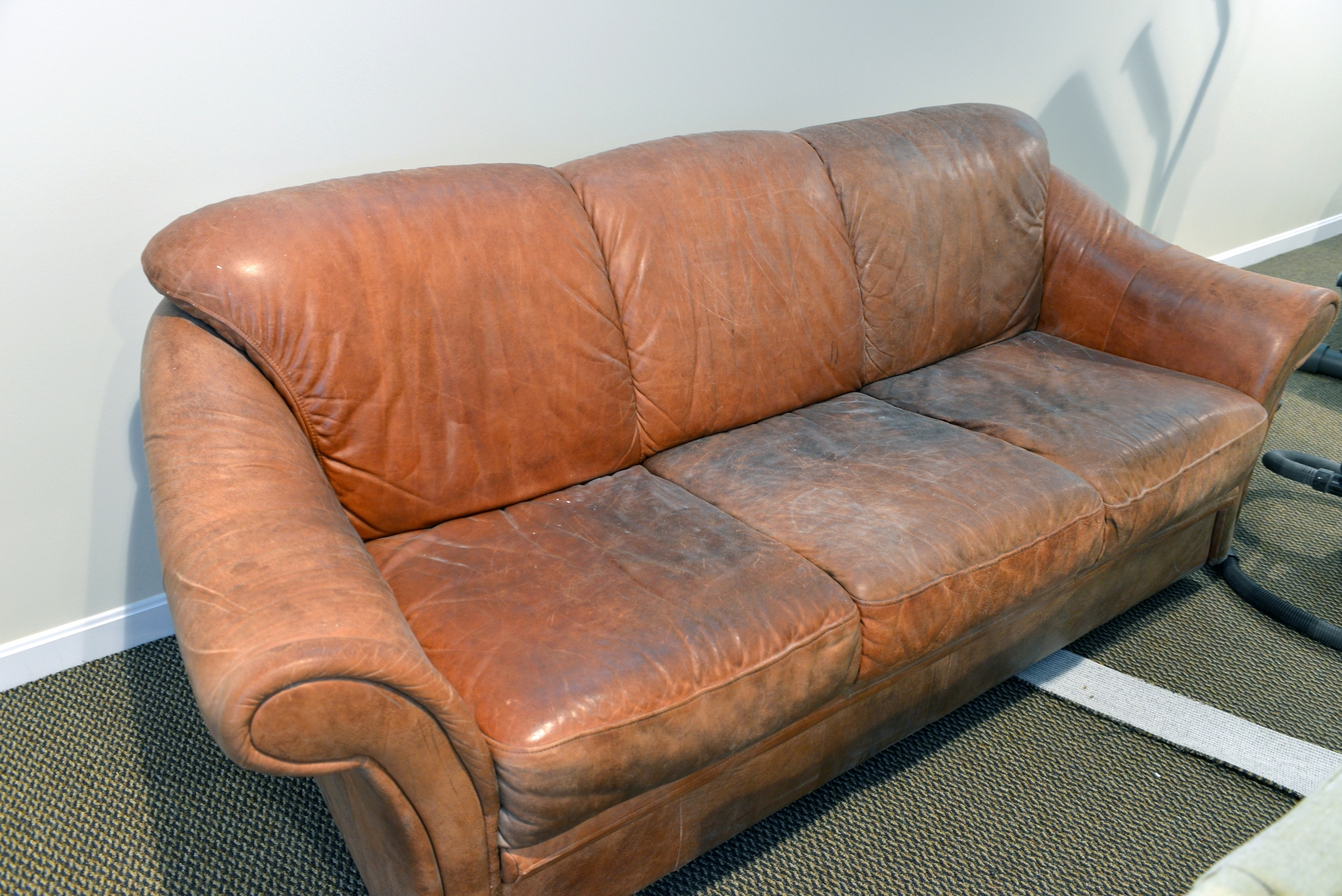 Aniline Leather Sofas For Latest Lovely Aniline Leather Sofa 46 About Remodel Sofas And Couches Set (View 2 of 15)