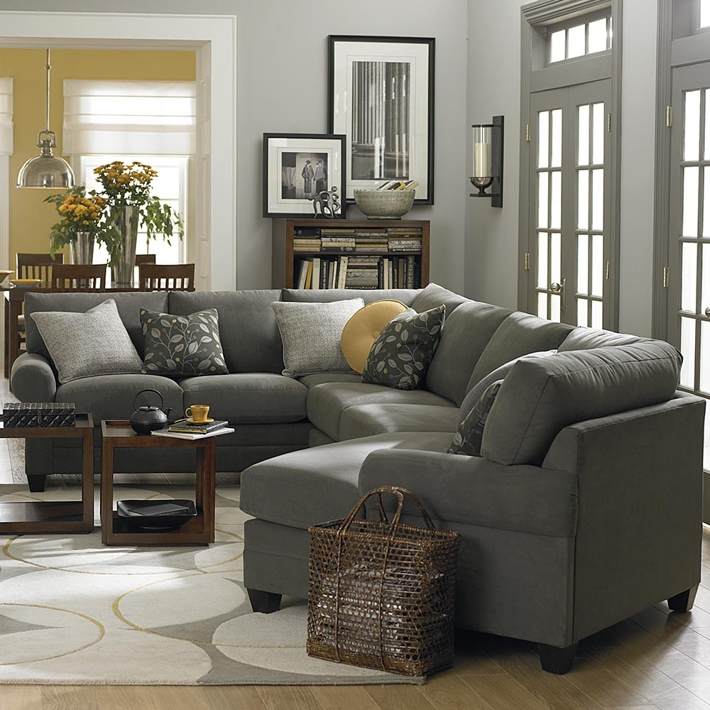 Bassett Home Furnishings Intended For Cuddler Sectional Sofas (View 3 of 15)