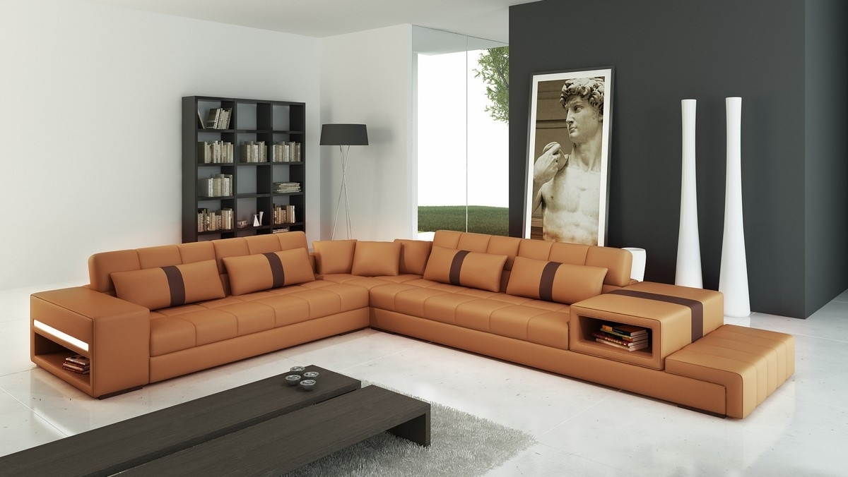 Best And Newest Camel Sectional Sofas Throughout Casa 6141 Modern Camel And Brown Leather Sectional Sofa (View 3 of 15)