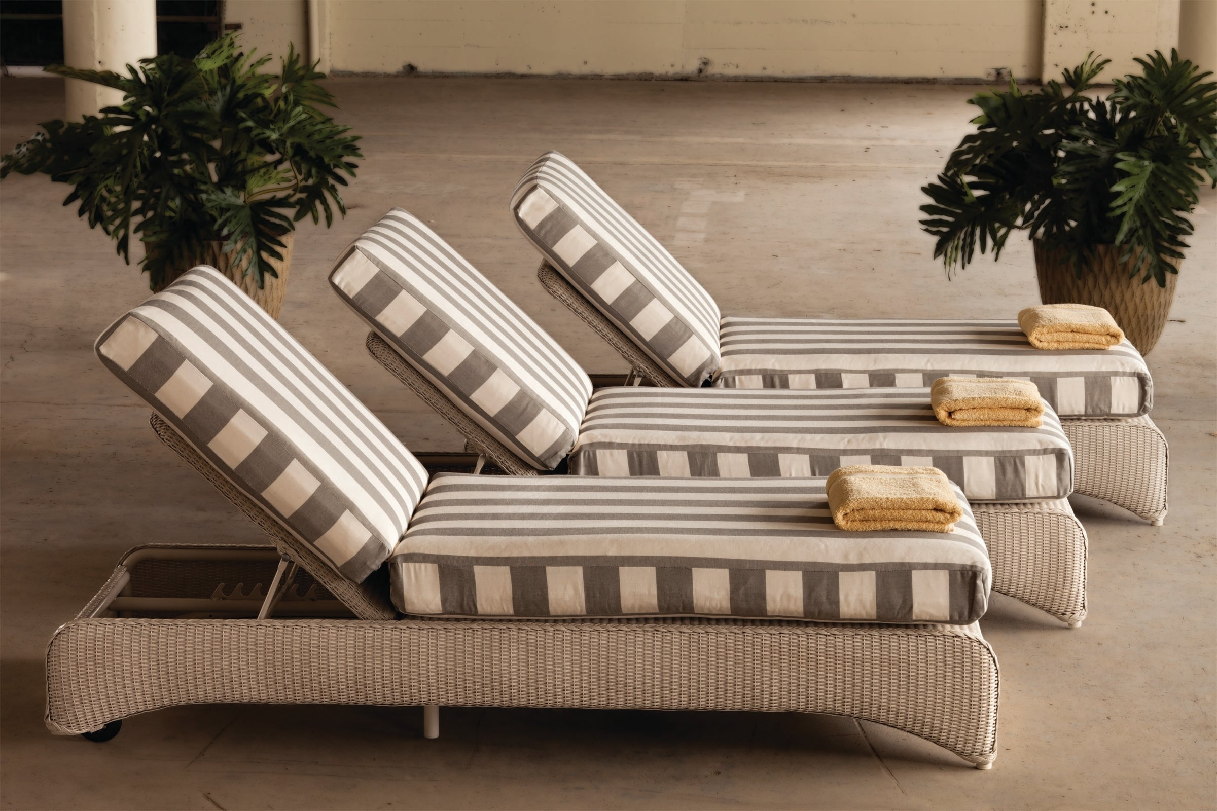 Best And Newest Pool Chaises With Contact Patio Sam And Casual Living Outfitters (View 2 of 15)
