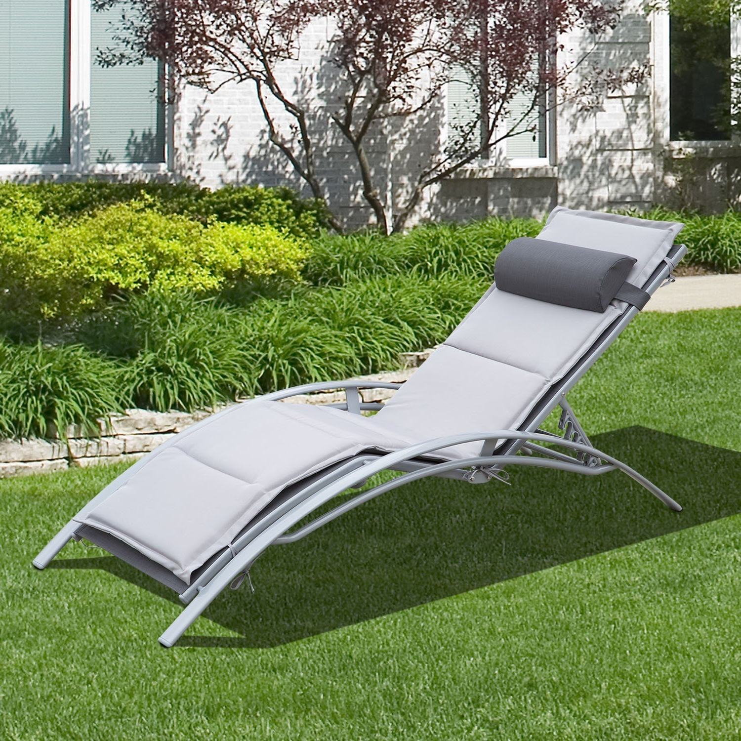 Best And Newest Sectional Couch With Sleeper Tags : Grey Sleeper Chair Chaise With Regard To Chaise Lounge Reclining Chairs For Outdoor (View 2 of 15)