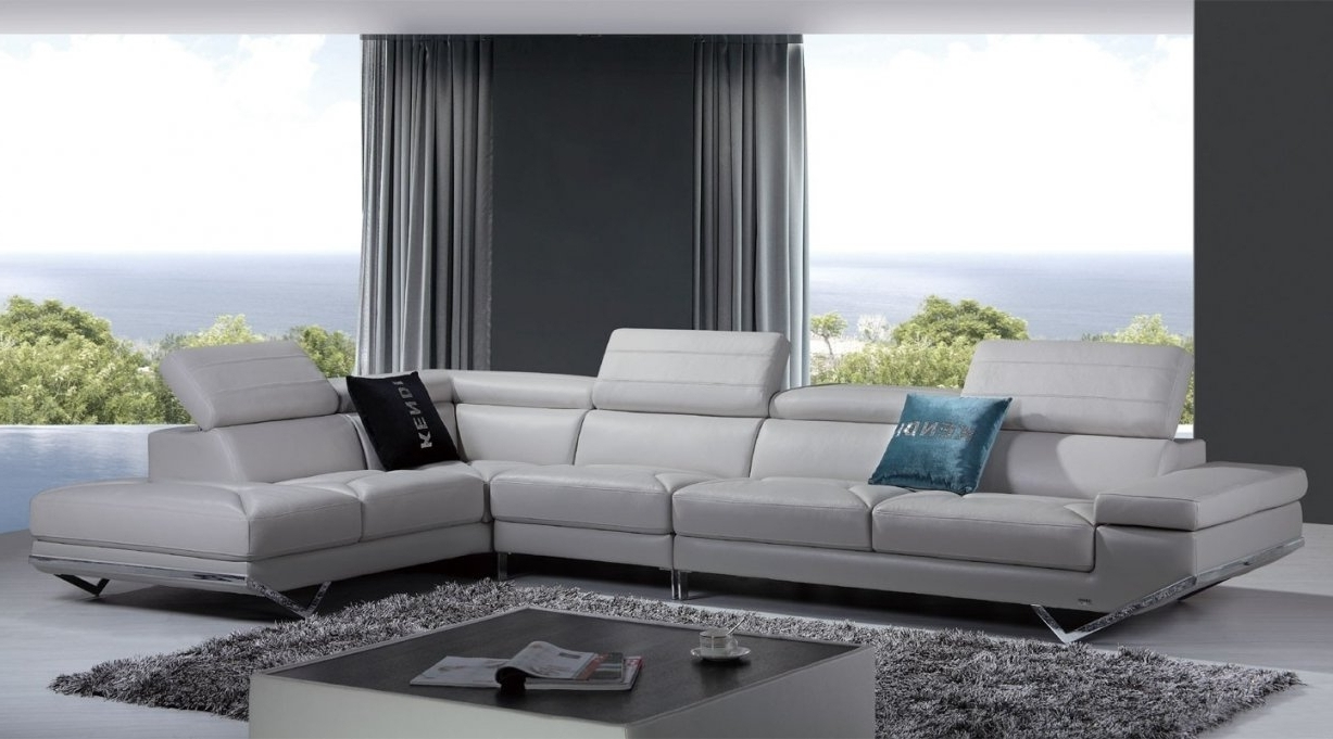 Best And Newest White Sectional Sofa Rooms To Go Regarding Sectional Sofas At Rooms To Go (View 2 of 15)