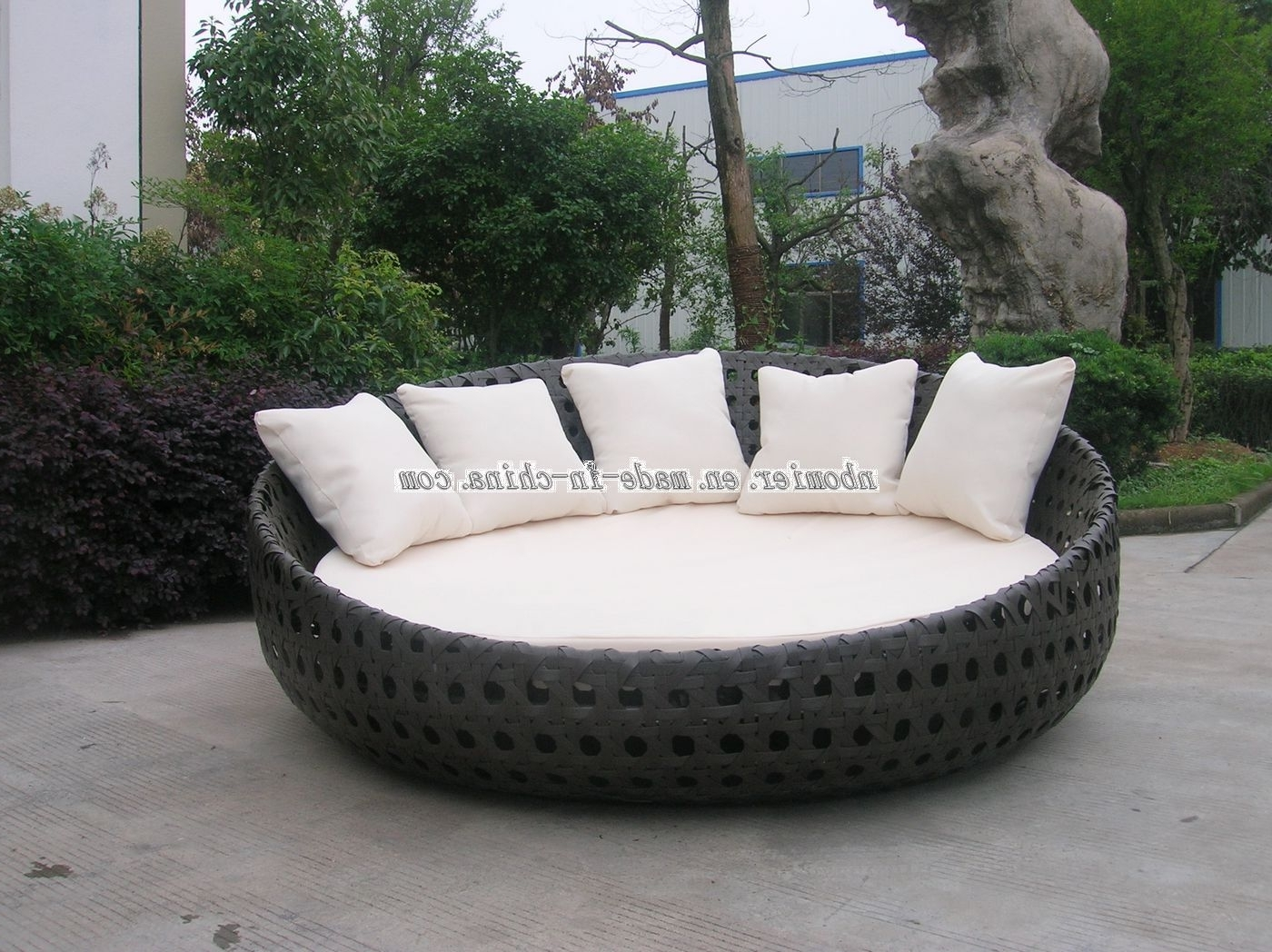 Big Round Sofa Chairs With Fashionable Large Round Chair And A Half (View 6 of 15)