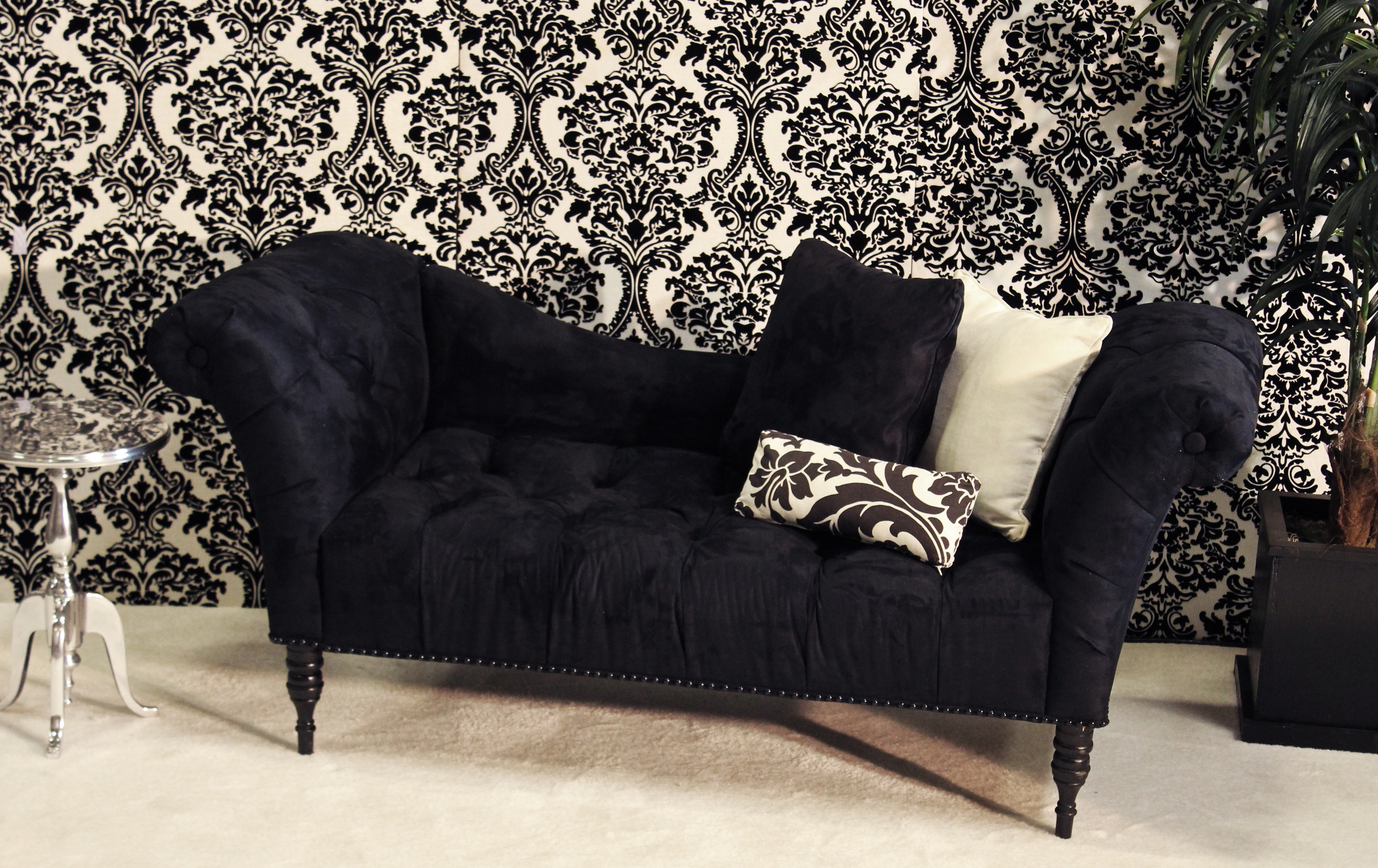 Black Chaise Lounges Within Fashionable Florenzia Black Chaise (View 6 of 15)