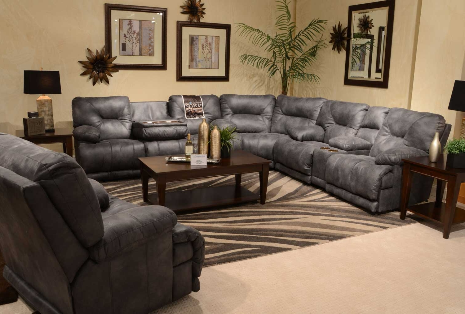 Catnapper Voyager Sectional With Lay Flat 3 Recliner Sofa, Console Intended For Favorite Sectional Sofas With Consoles (View 15 of 15)