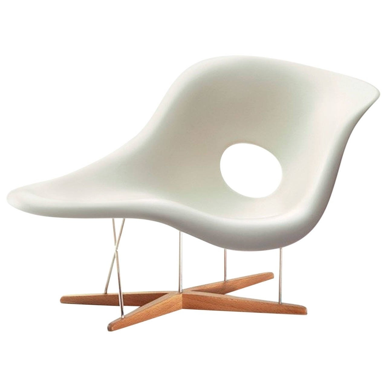 Chaise Divan Designedcharles And Ray Eames For Furniture Within Most Recently Released Eames La Chaises (View 3 of 15)