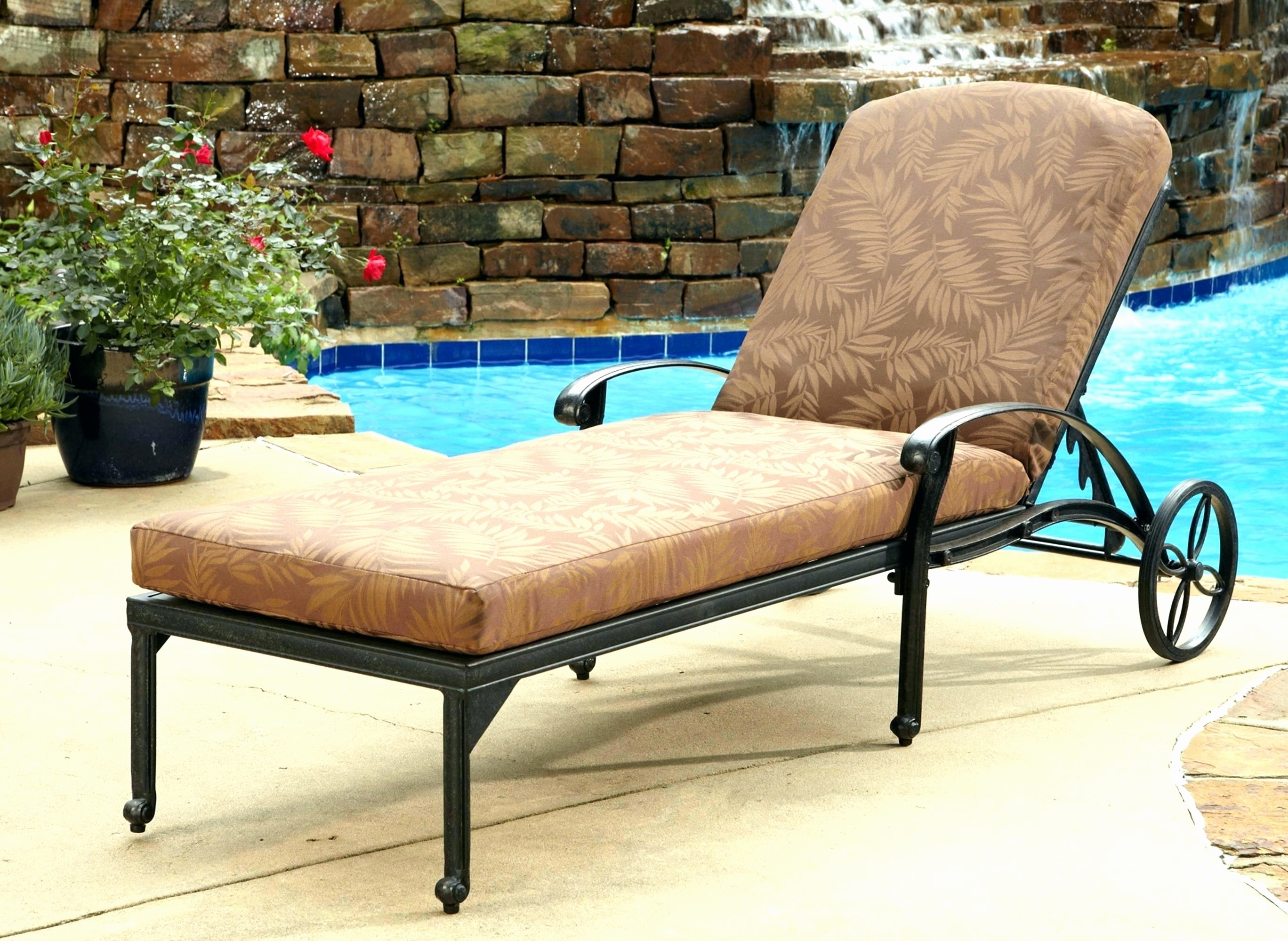 Chaise Lounge Lawn Chairs Intended For 2018 Convertible Chair : Lawn Chair Cheap Lounge Chairs Double Chaise (View 4 of 15)