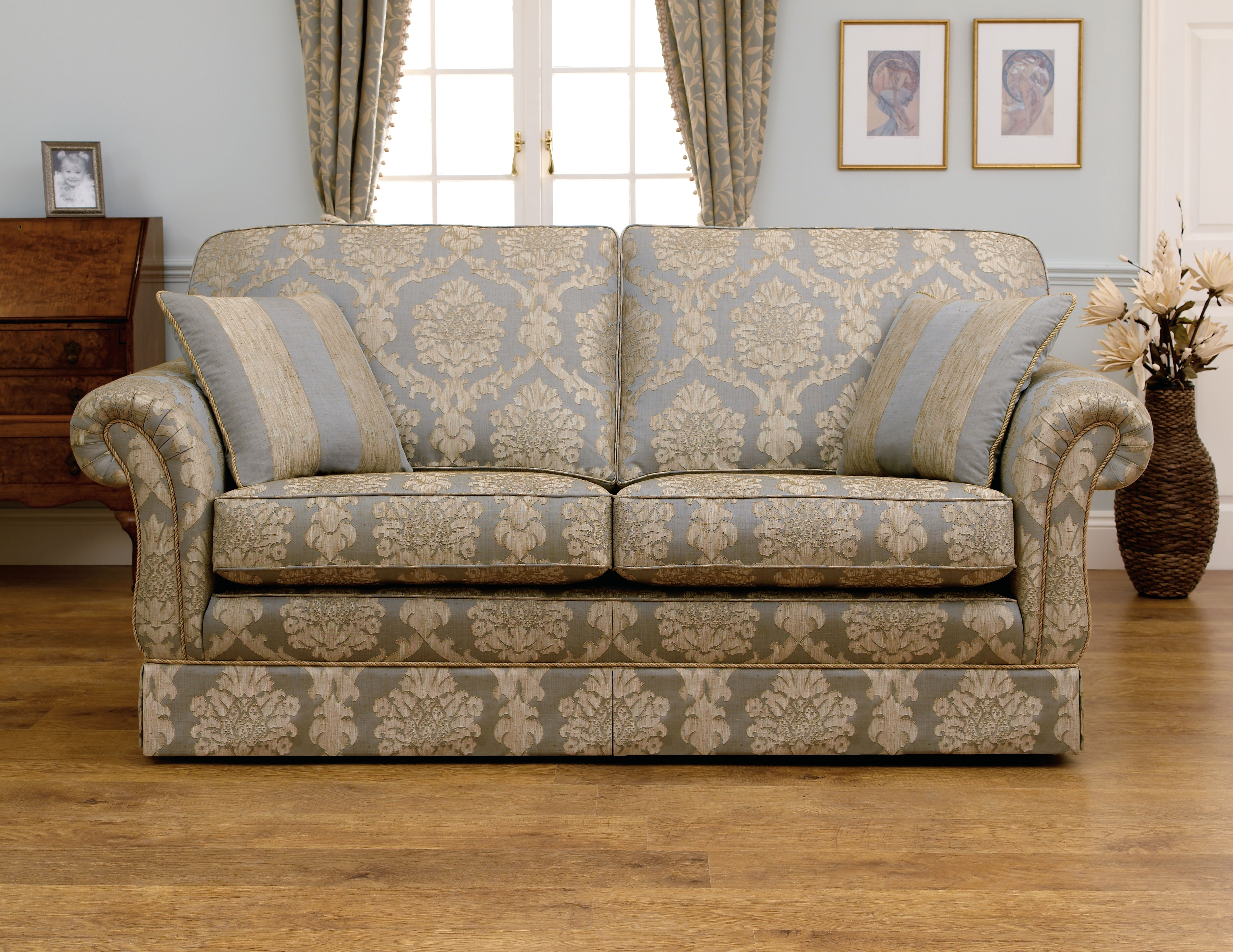 Classic Sofas For Trendy Beautiful Sofa Styles For Your Sofas Wonderful Distressed Leather (View 3 of 15)