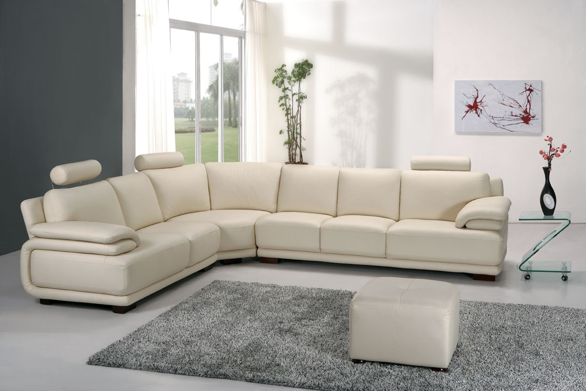 Corner Sofas For The Living Room – Decobizz Pertaining To Most Popular White Leather Corner Sofas (View 10 of 15)