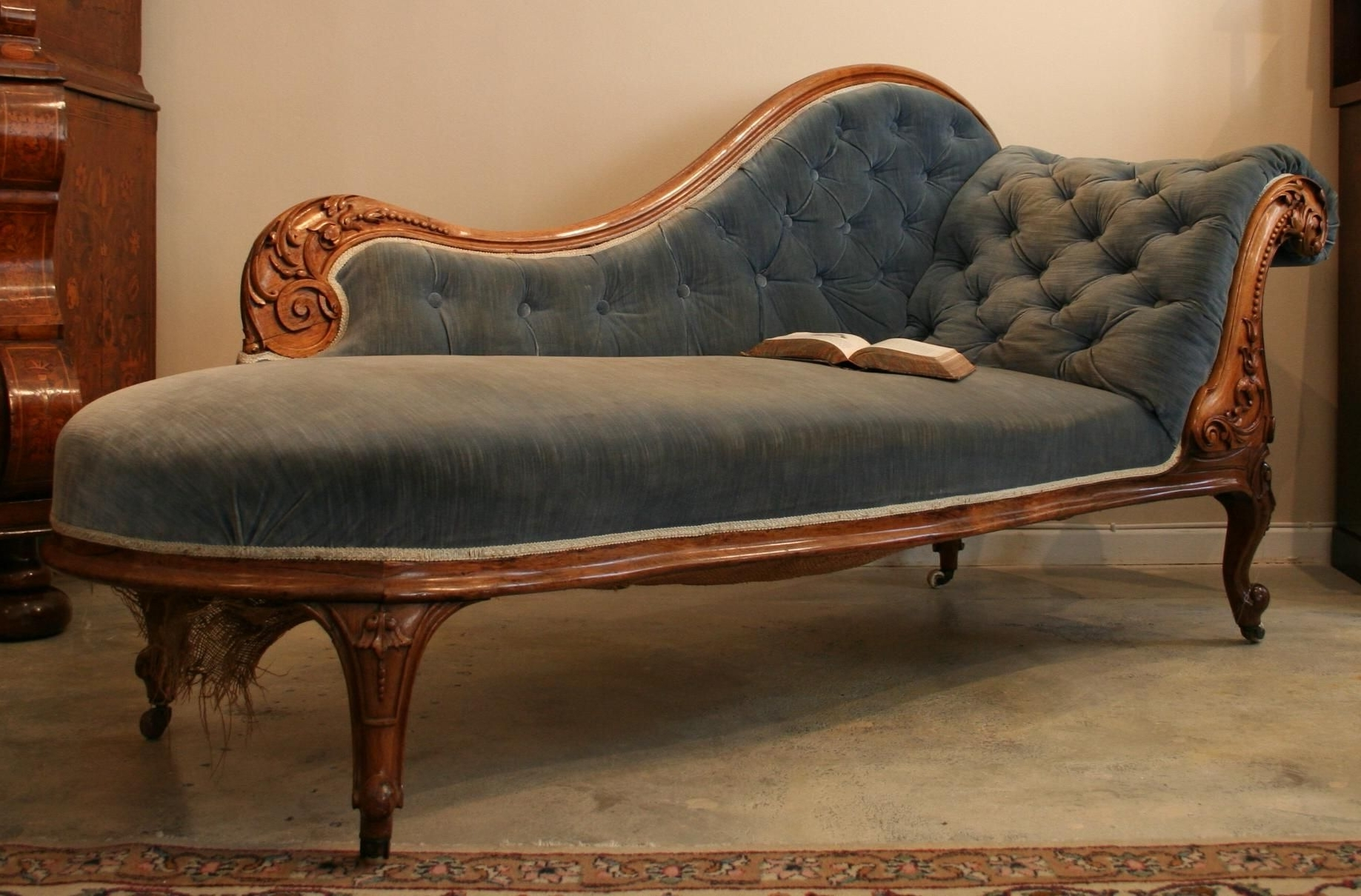 Current Antique Chaise Lounges With Chaise Lounges (View 7 of 15)