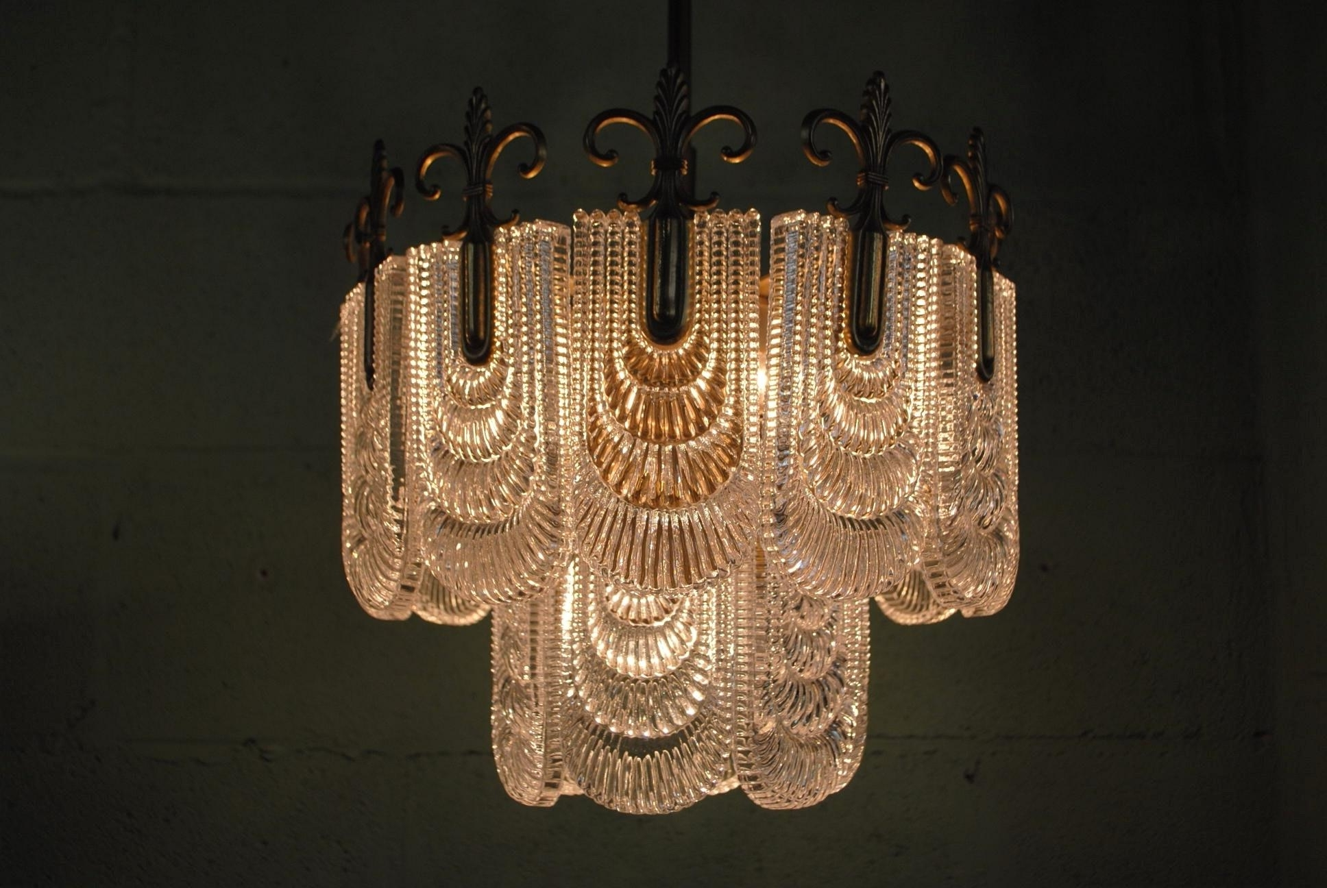 Current Chandeliers : Art Deco Chandelier Lovely Art Deco Crystal Chandelier Within Art Deco Chandelier (View 11 of 15)