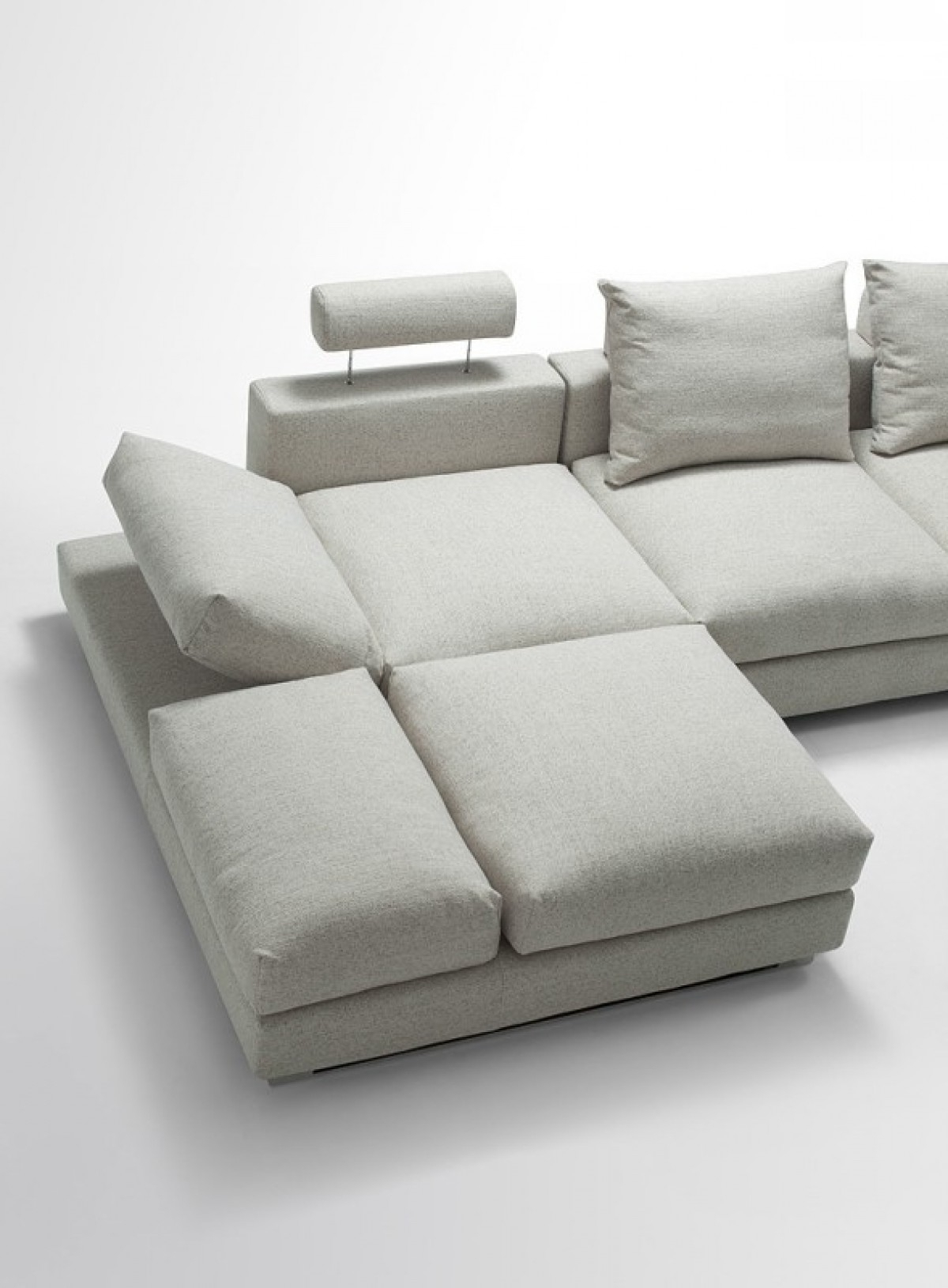 Divani Casa Vasto – Modern Fabric Sectional Sofa With Down Feather For Well Known Down Feather Sectional Sofas (View 12 of 15)