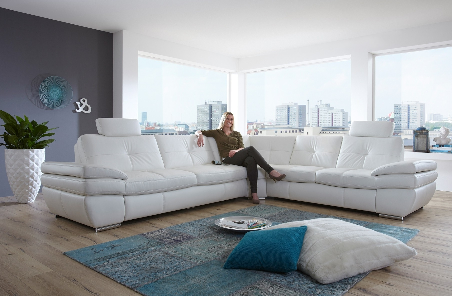 Everett Wa Sectional Sofas In Favorite Furniture : Sectional Sleeper Sofa Queen Has One Of The Best Kind (View 3 of 15)
