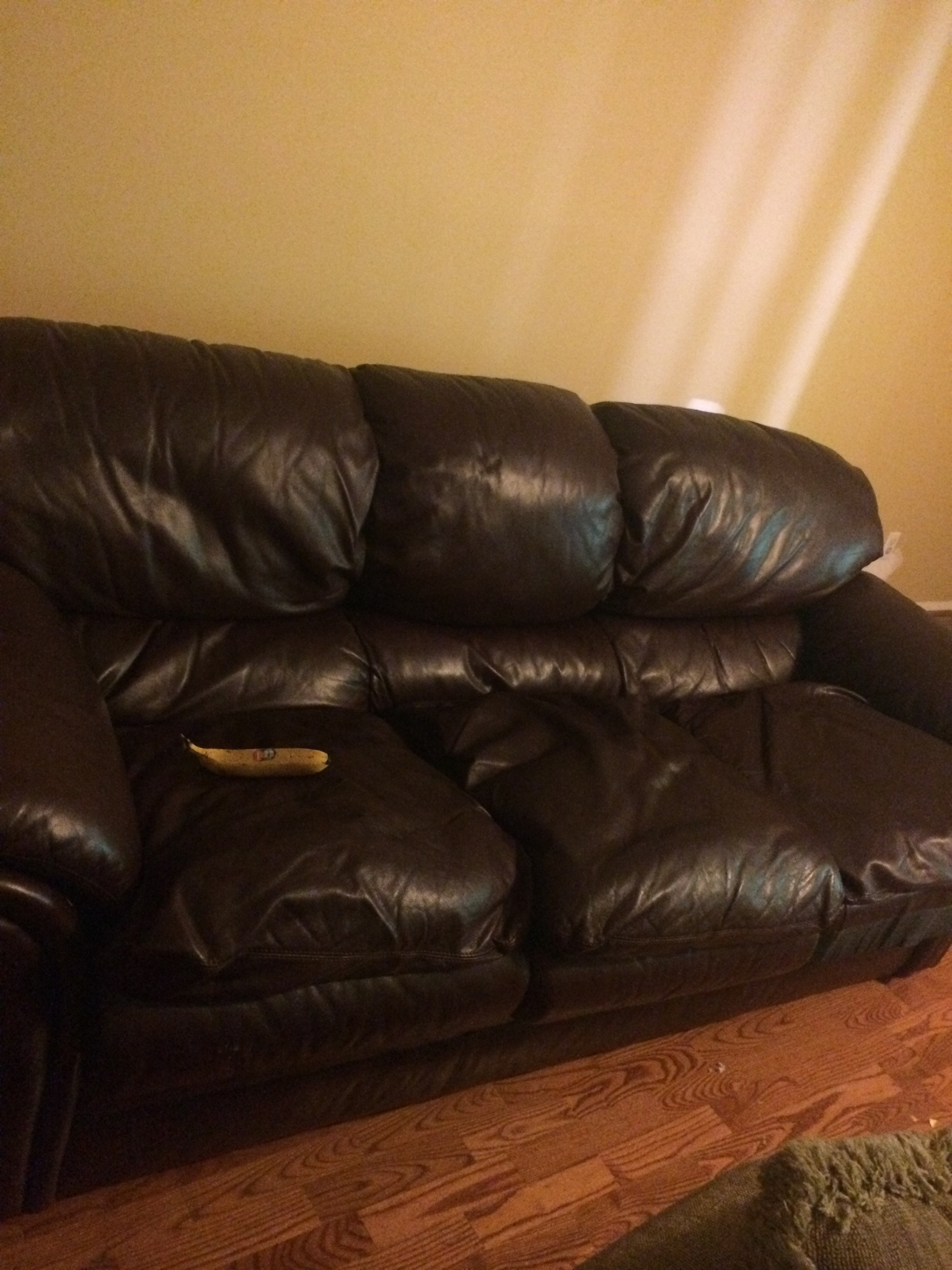 Famous Craigslist Leather Sofas Within Beautiful Craigslist Leather Sofa 12 Living Room Sofa Inspiration (View 3 of 15)