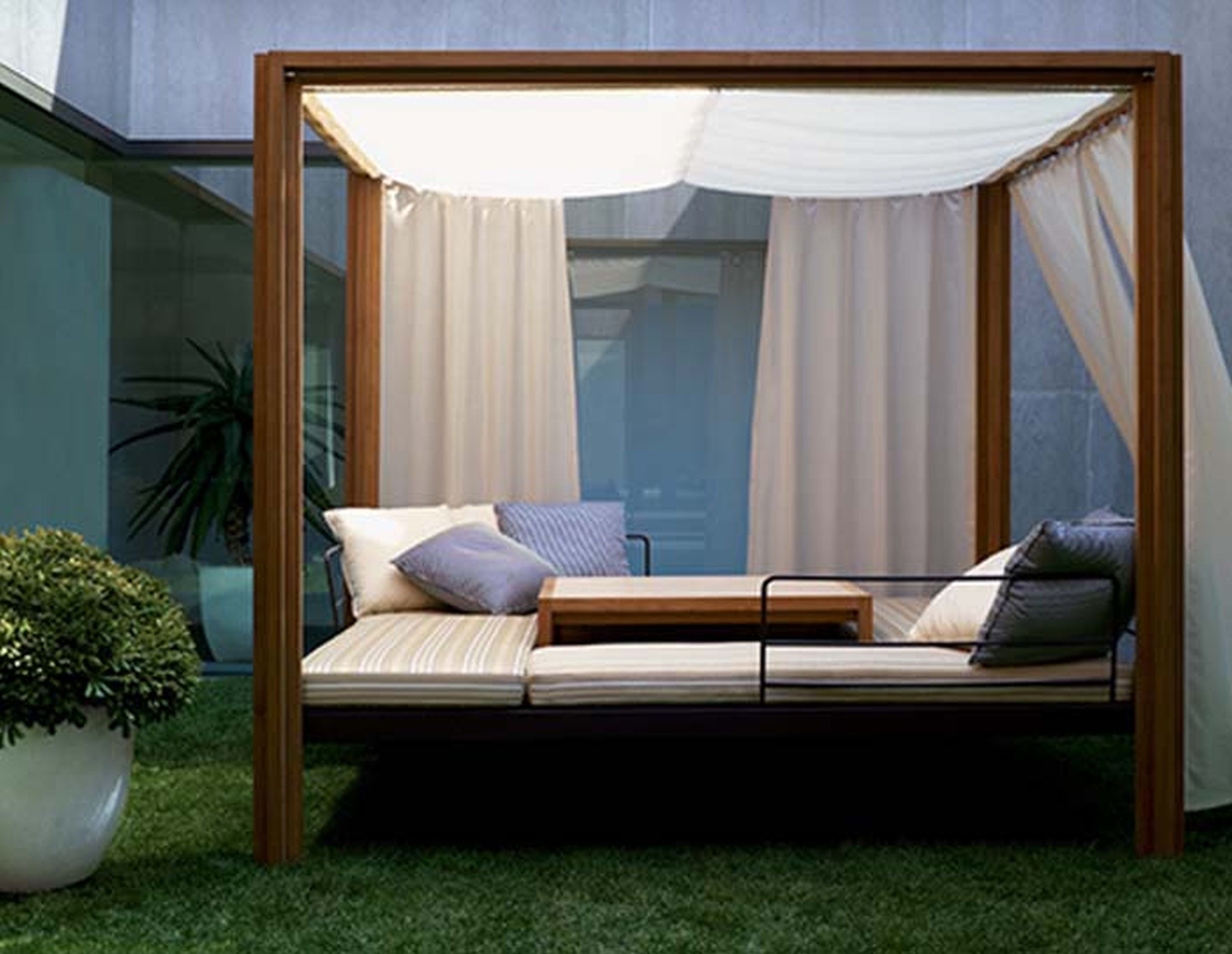 Famous Outdoor Sofas With Canopy For Patio Chairs : Daybeds For Sale Outdoor Wicker Garden Daybed Buy (View 4 of 15)
