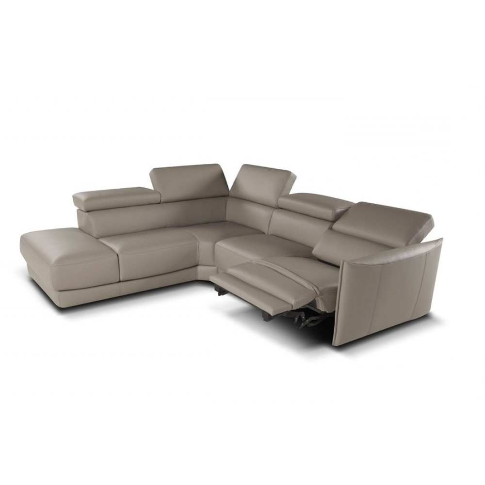 Famous Sectional Sofas With Electric Recliners For Nicoletti Camilion Sectional Sofa With Electric Recliner (View 3 of 15)