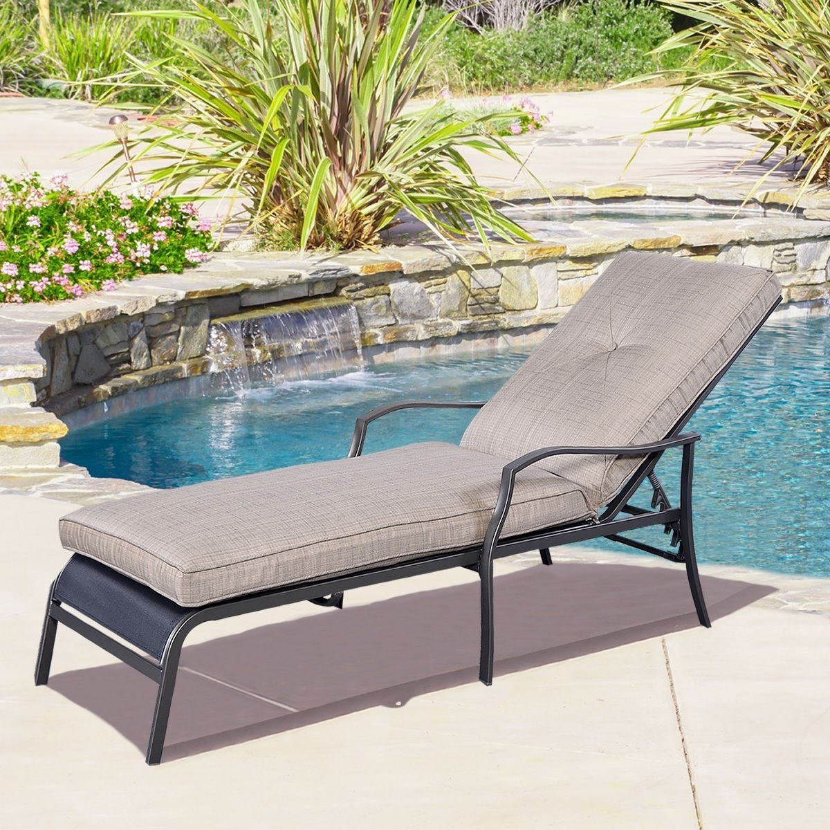 Famous Selecting Outdoor Lounge Furniture (View 4 of 15)