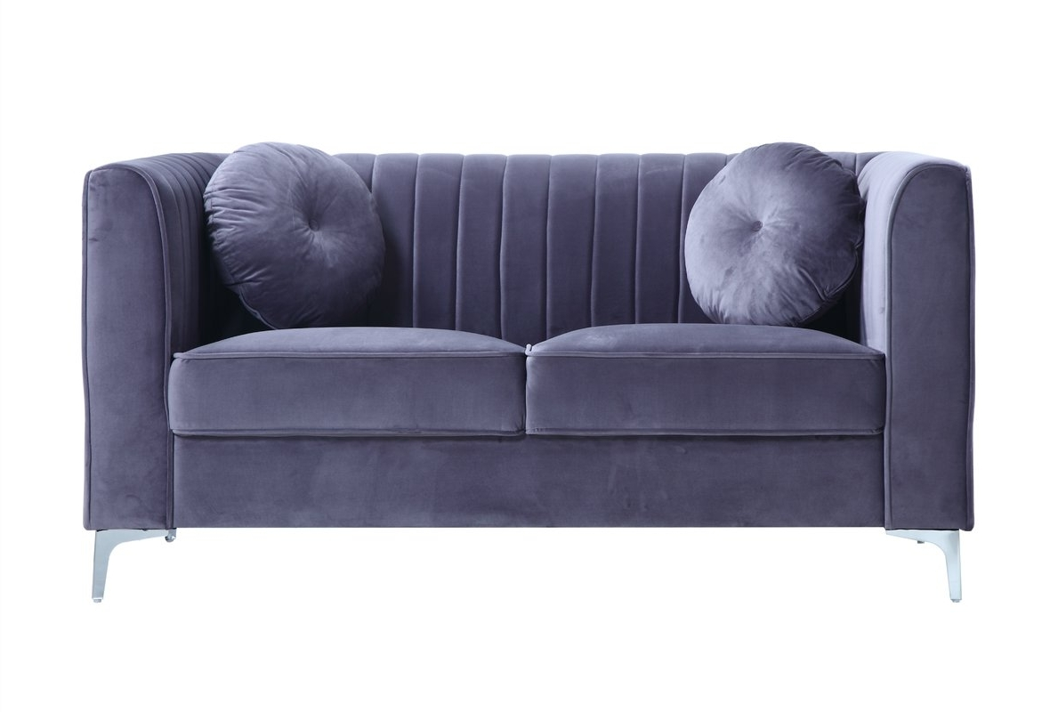 Famous Traditional Velvet Loveseat & Reviews (View 12 of 15)