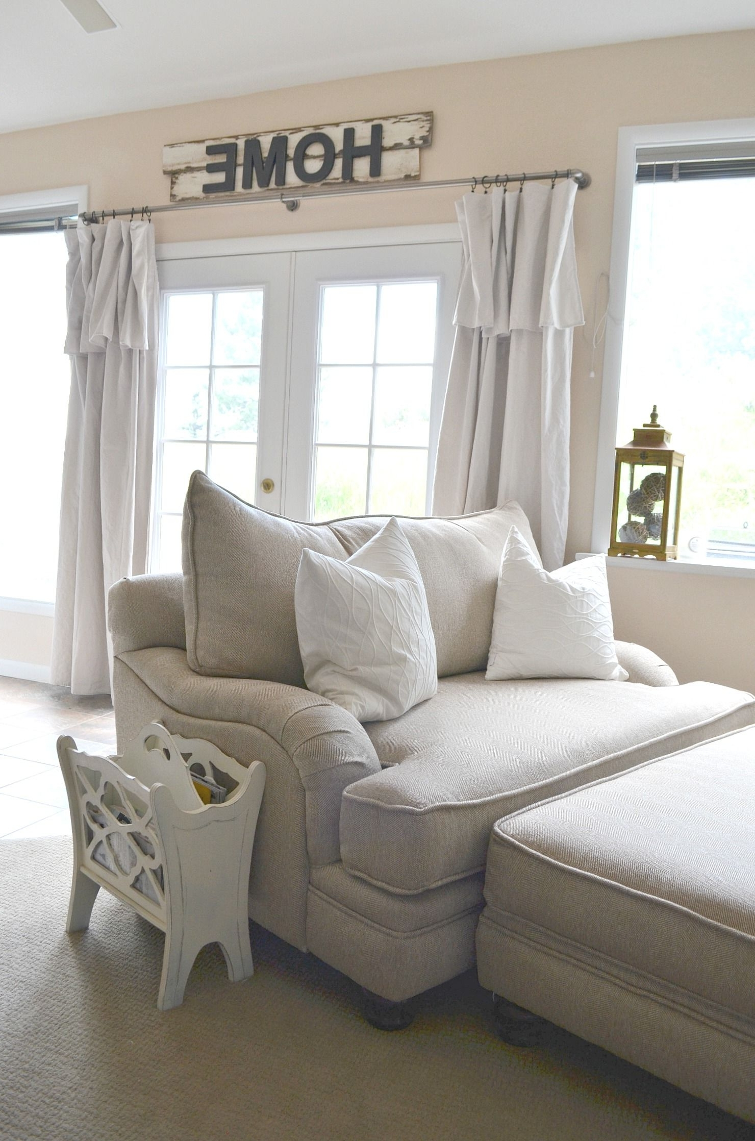 Farmhouse Style Oversized Chairs (View 3 of 15)