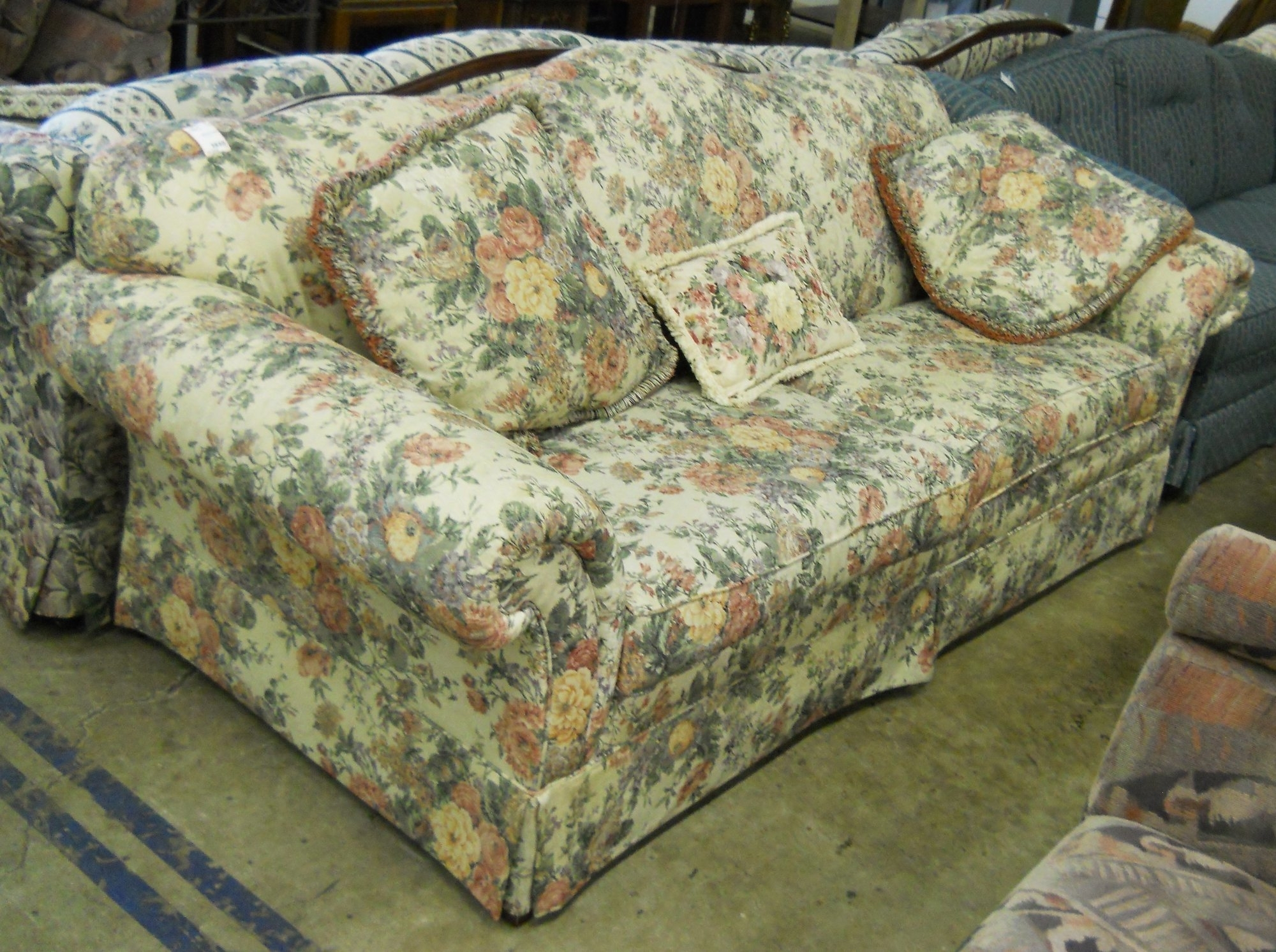 Fashionable Blue Chintz Sofa – Spurinteractive Regarding Yellow Chintz Sofas (View 2 of 15)