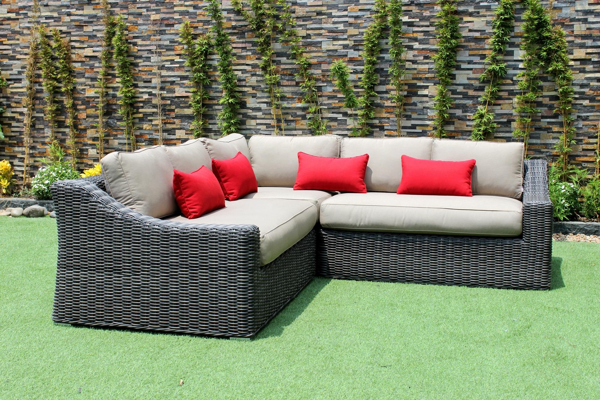 Fashionable Nanaimo Sectional Sofas Inside Marseille Outdoor Patio Wicker Sunbrella Corner Sectional Sofa (View 14 of 15)