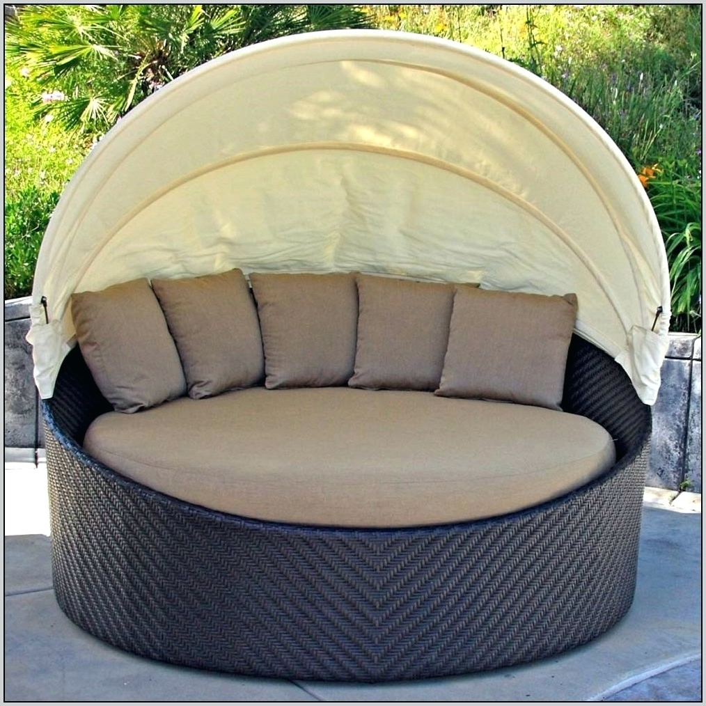 Favorite Outdoor Round Double Patio Chaise Lounge Chair Outdoor Round Intended For Round Chaises (View 4 of 15)