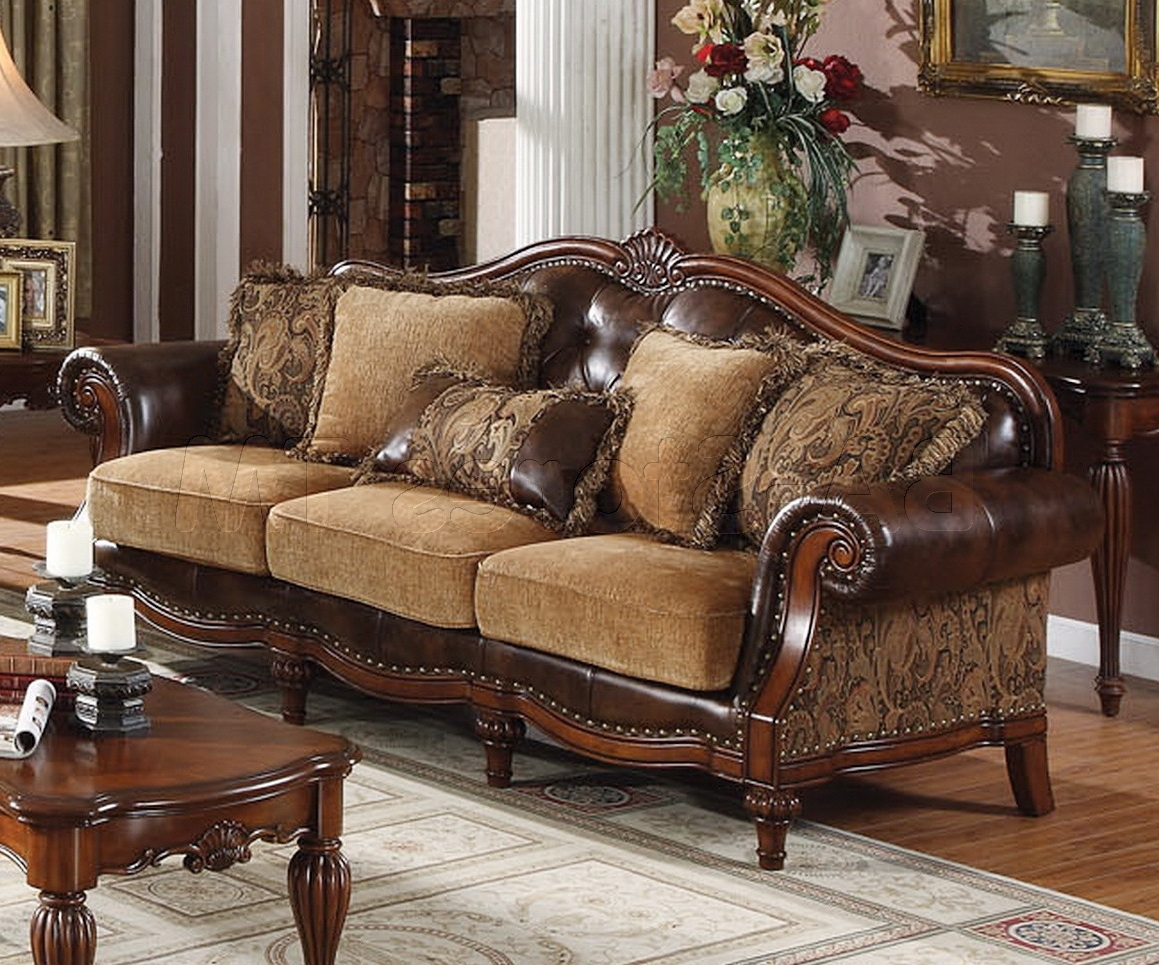 Favorite Traditional Sofas And Chairs Within Traditional Sofa Design Bringing Classical Vibe In Living Room (View 2 of 15)