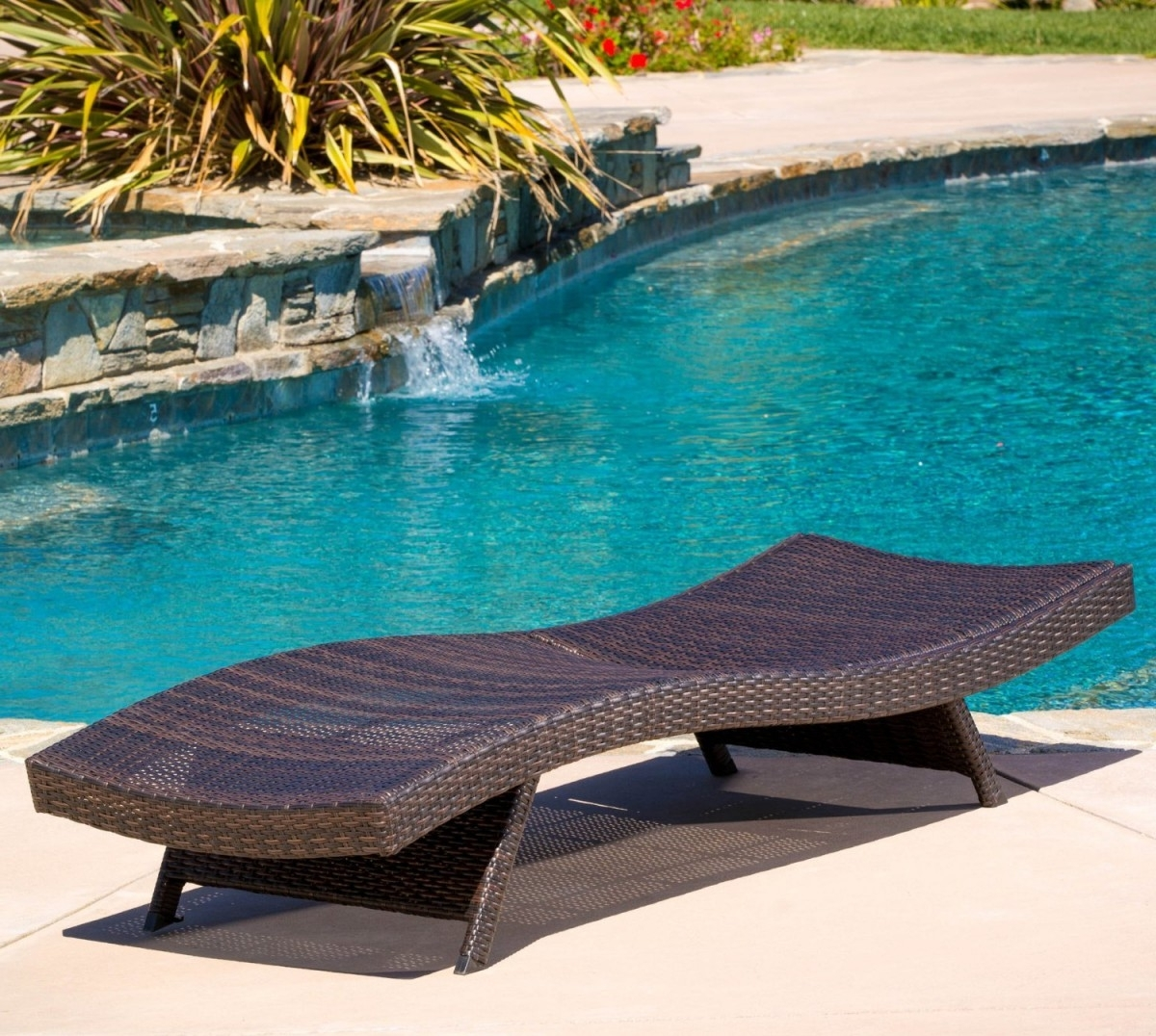 Folding Wicker Outdoor Chaise Lounge Chair In Fashionable Keter Chaise Lounges (View 11 of 15)
