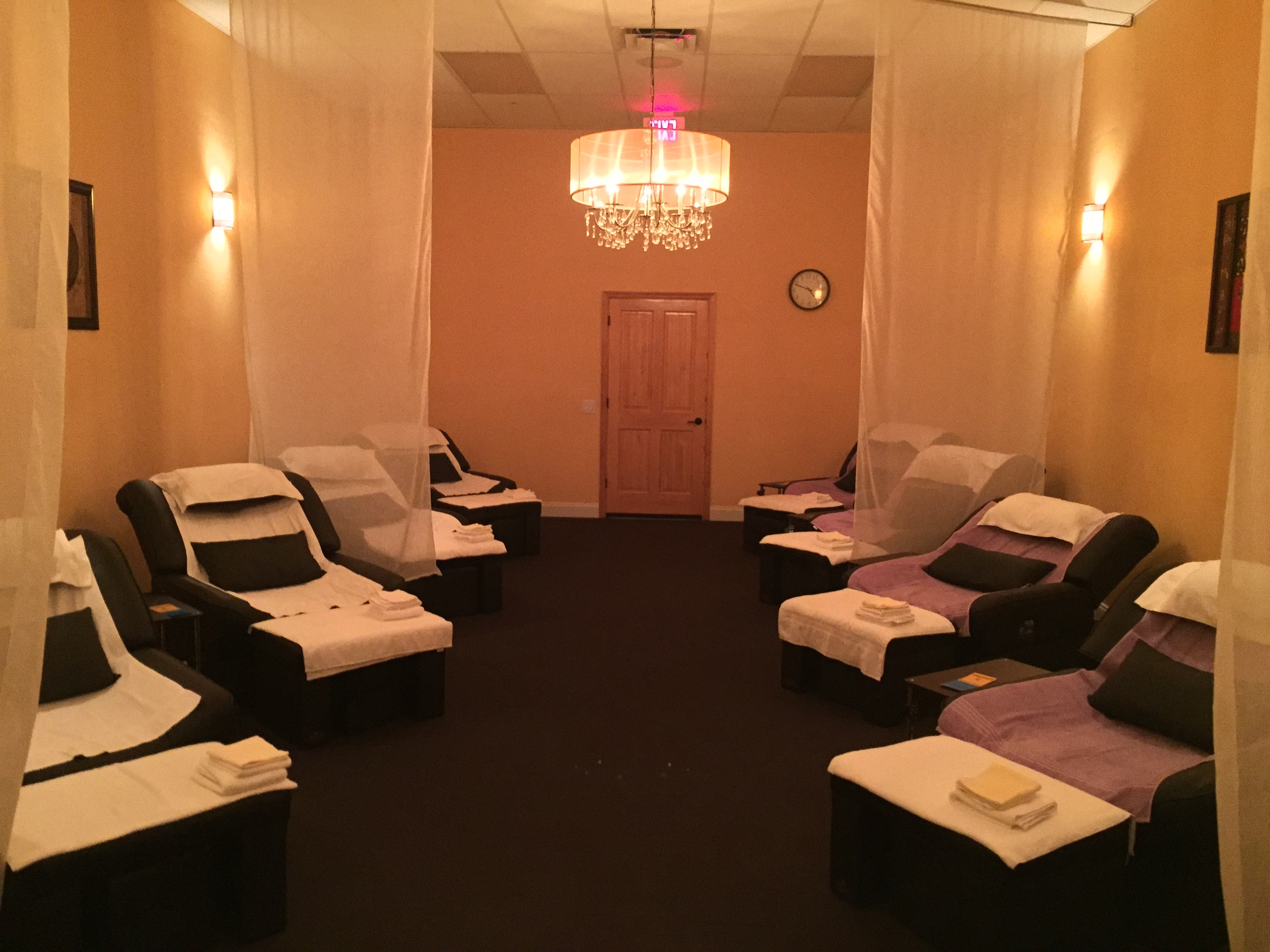 Foot Massage Spa And Acupressure Body Massage (View 8 of 15)