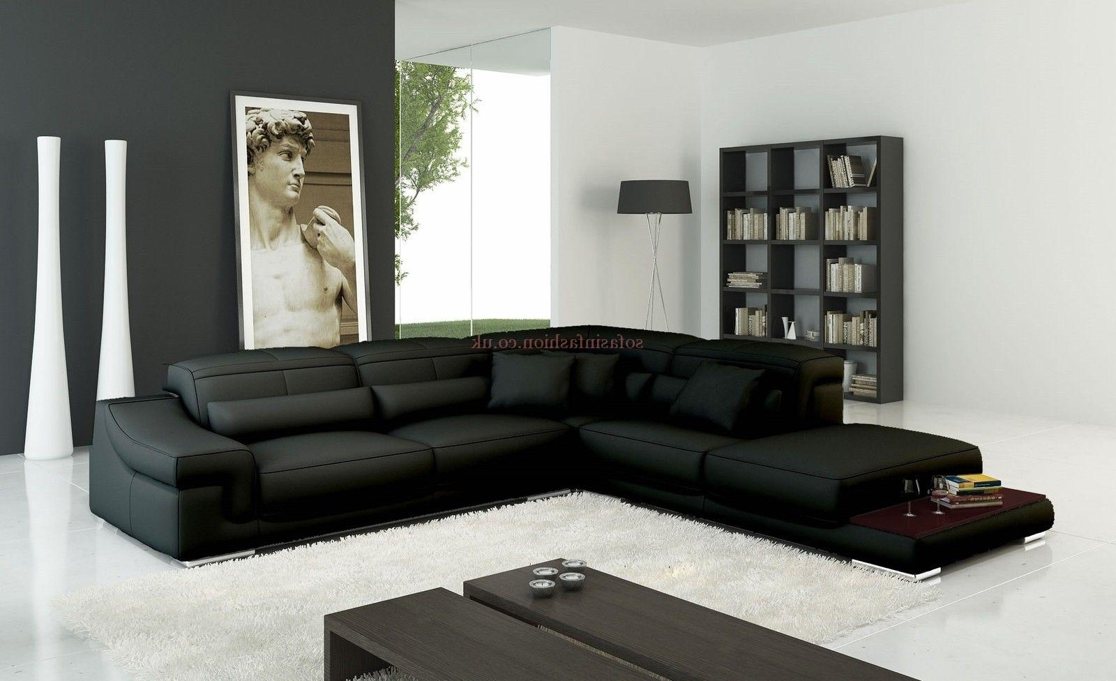 Functionalities Within Fashionable Leather Corner Sofas (View 6 of 15)