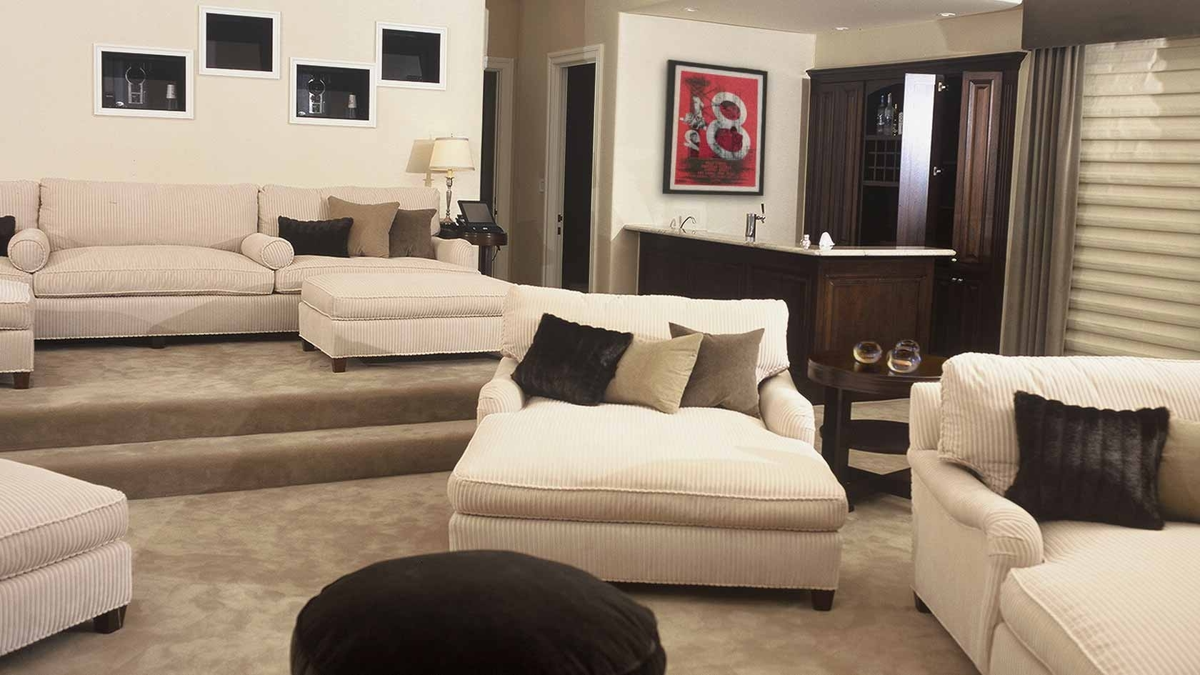 Furniture: Oversized Chaise Lounge Indoor Design With Brown Rug With Current Oversized Chaise Chairs (View 15 of 15)