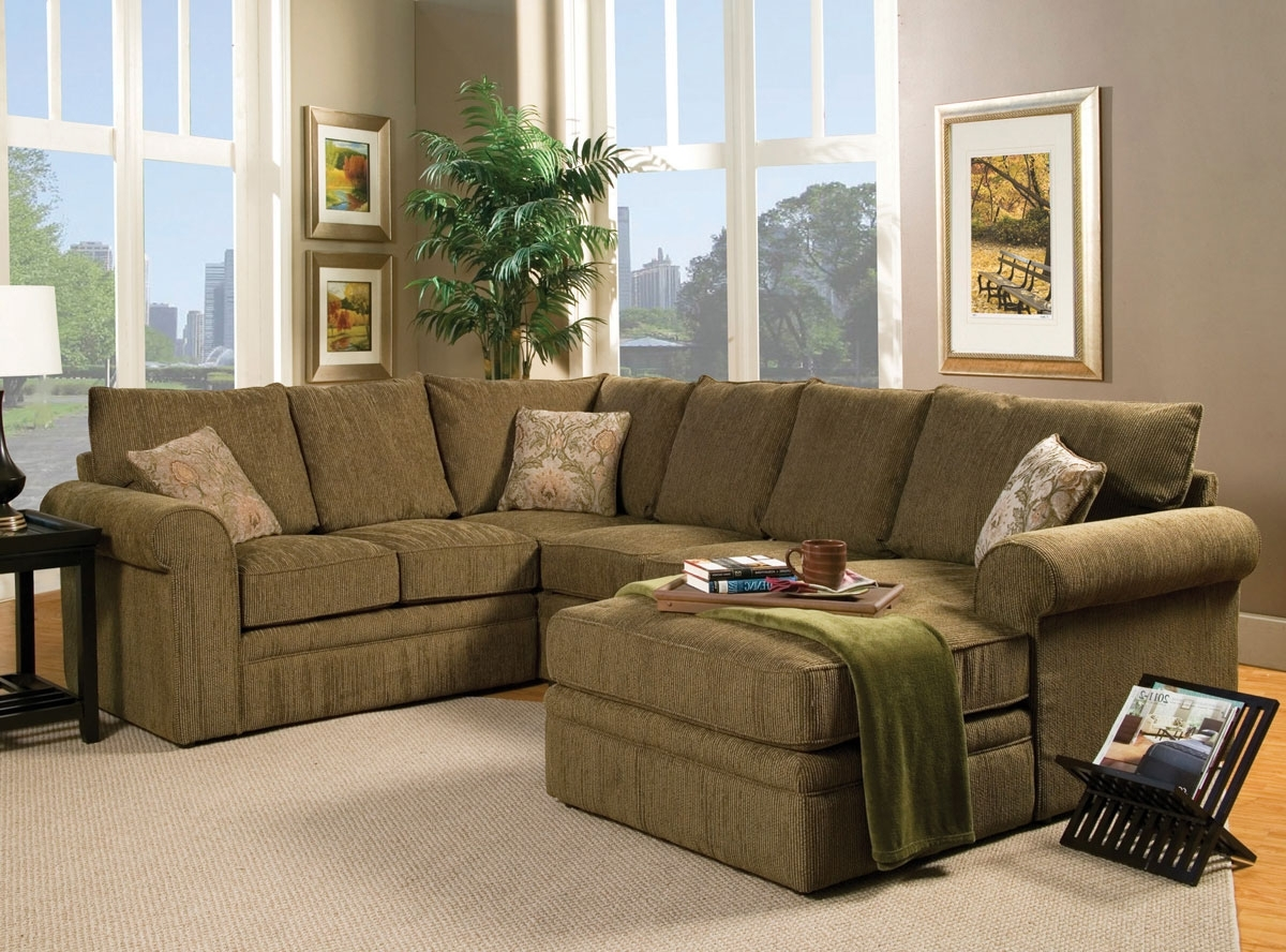 Green Sectional Sofas With Chaise With Regard To Latest Small Gray And White Themed Living Room Decorating Ideas With (View 9 of 15)