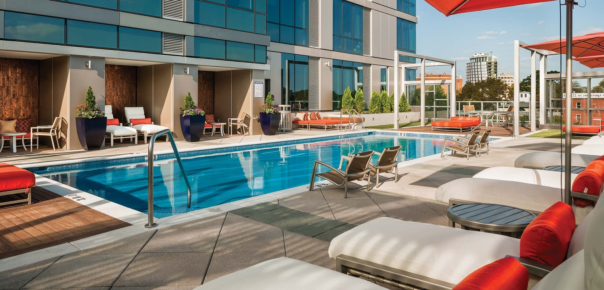 Hotel Pool Chaise Lounge Chairs With Well Liked Commercial Outdoor Furniture (View 8 of 15)