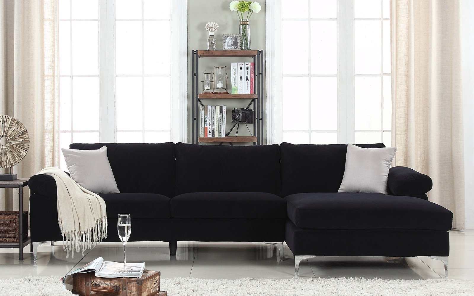 Huge Sectional Sofas (View 13 of 15)