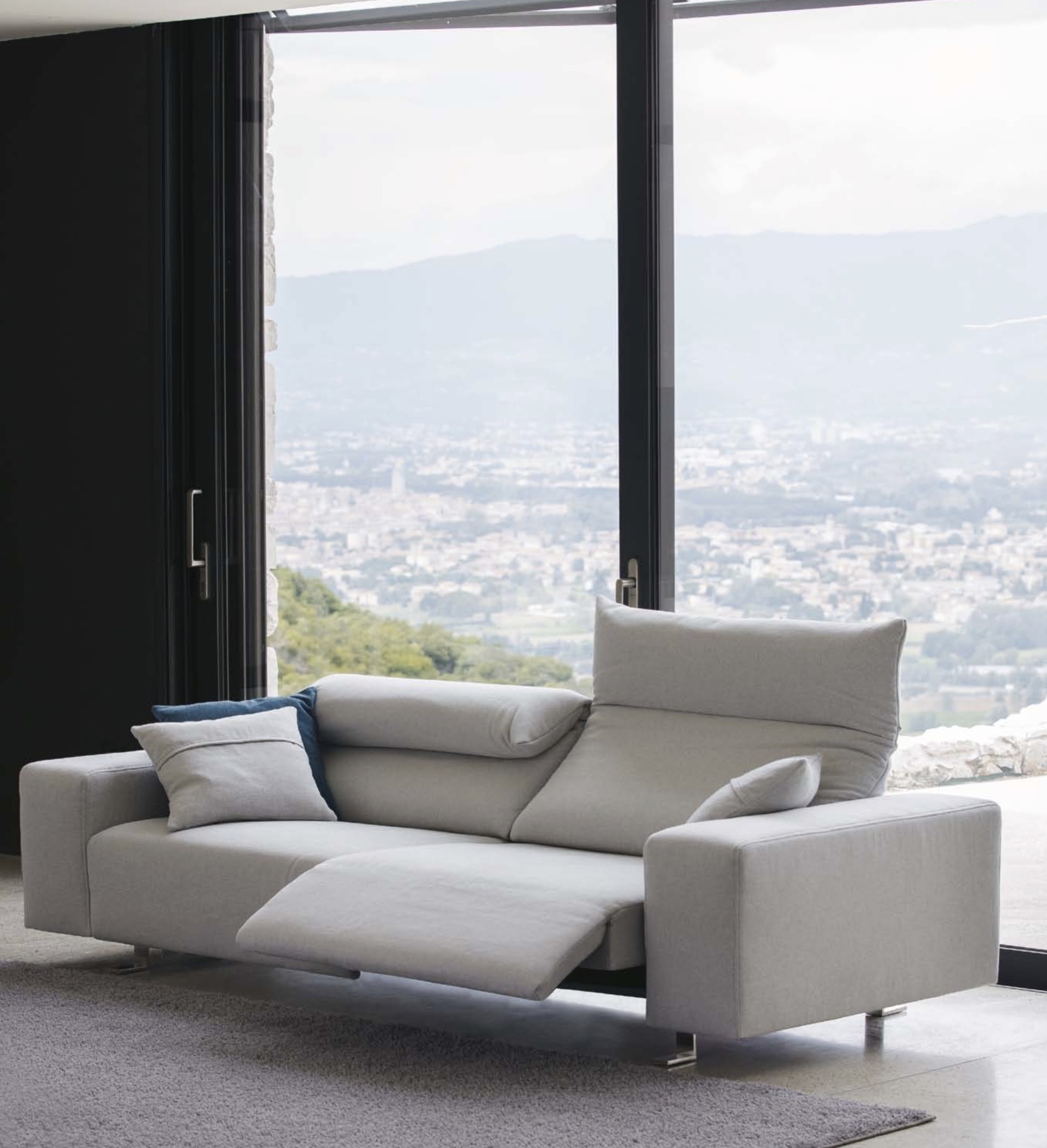 Italian Designed Furniture Inspirational Italian Sofas At With Regard To Famous Modern Sofas (View 10 of 15)
