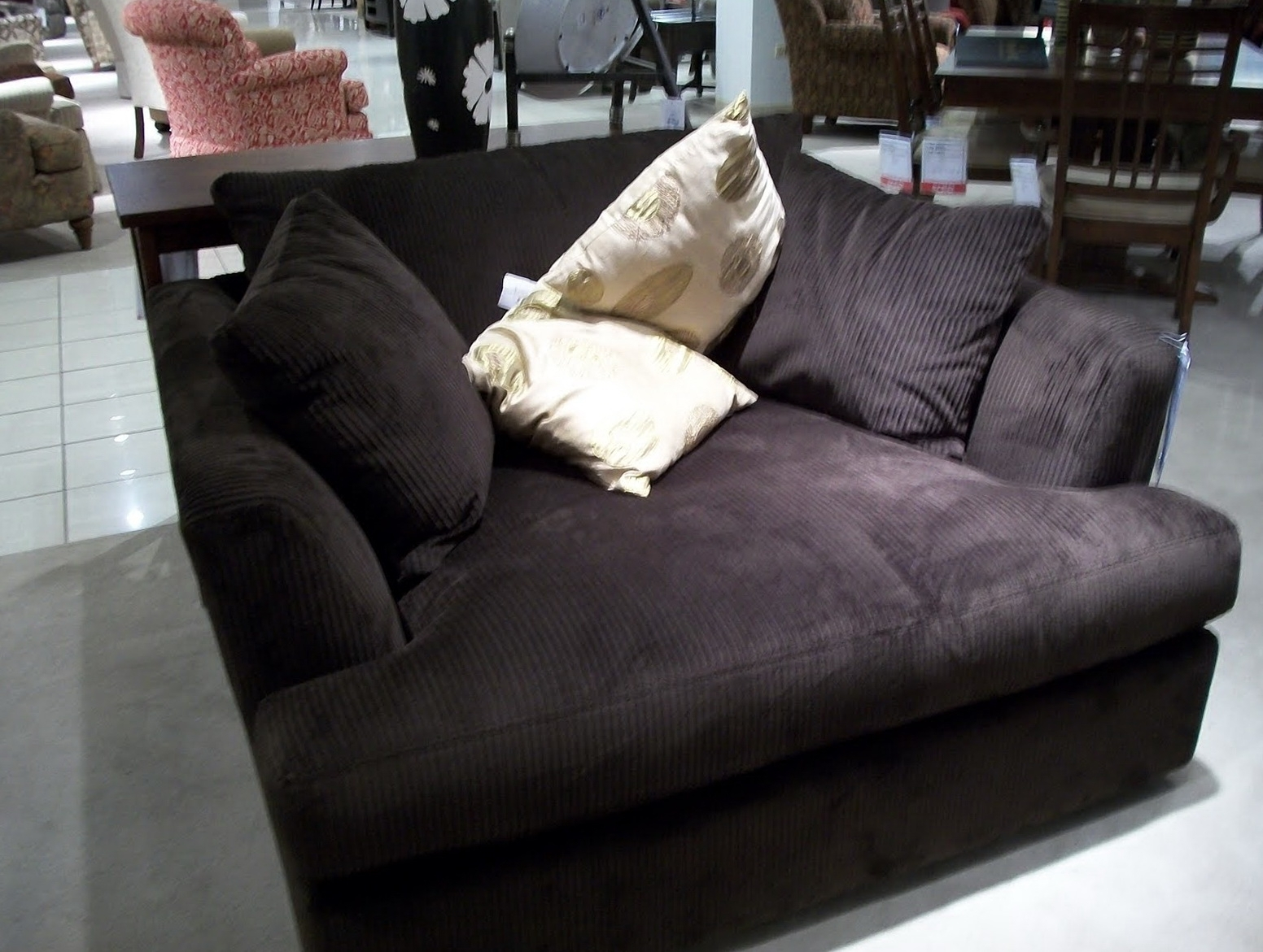 Featured Photo of Oversized Chaise Chairs