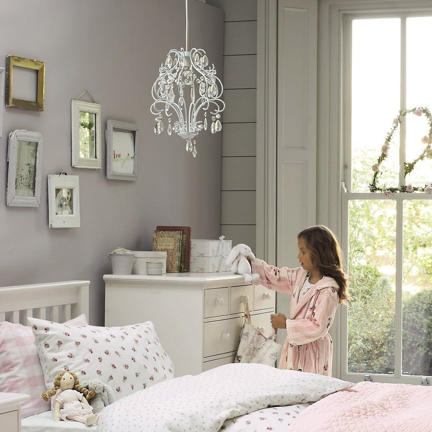 Latest Chandeliers For Girl Nursery Inside Childrens Bedroom Chandeliers – Internetunblock – Internetunblock (View 8 of 15)