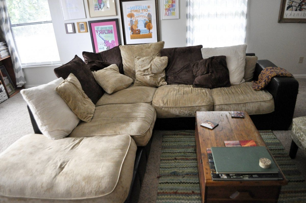 Latest Stunning Vintage Living Room With Oversized Most Comfortable Pertaining To Comfy Sectional Sofas (View 4 of 15)