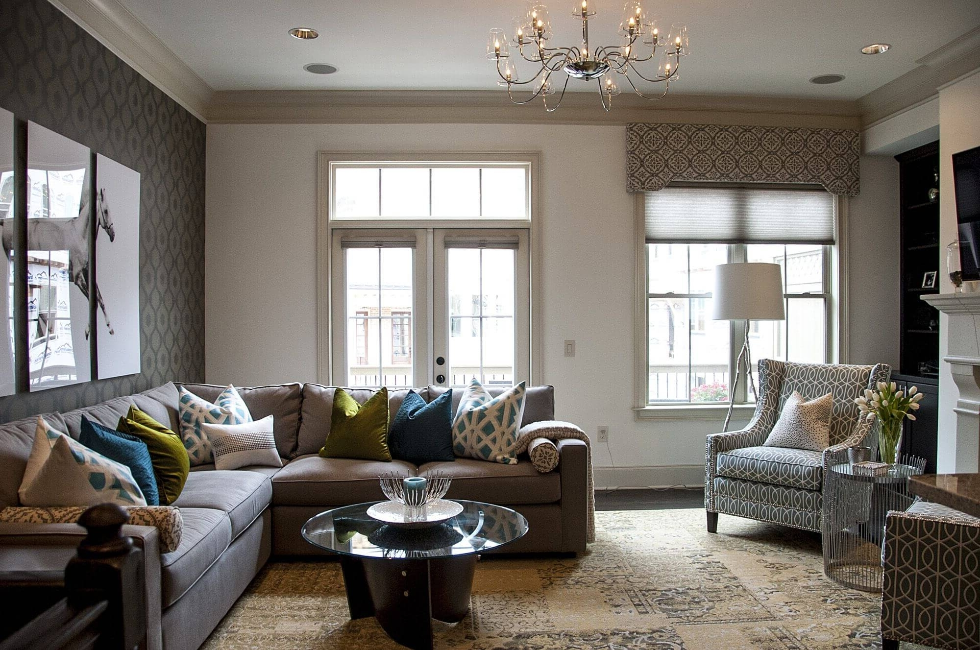 Featured Photo of Sectional Sofas Decorating