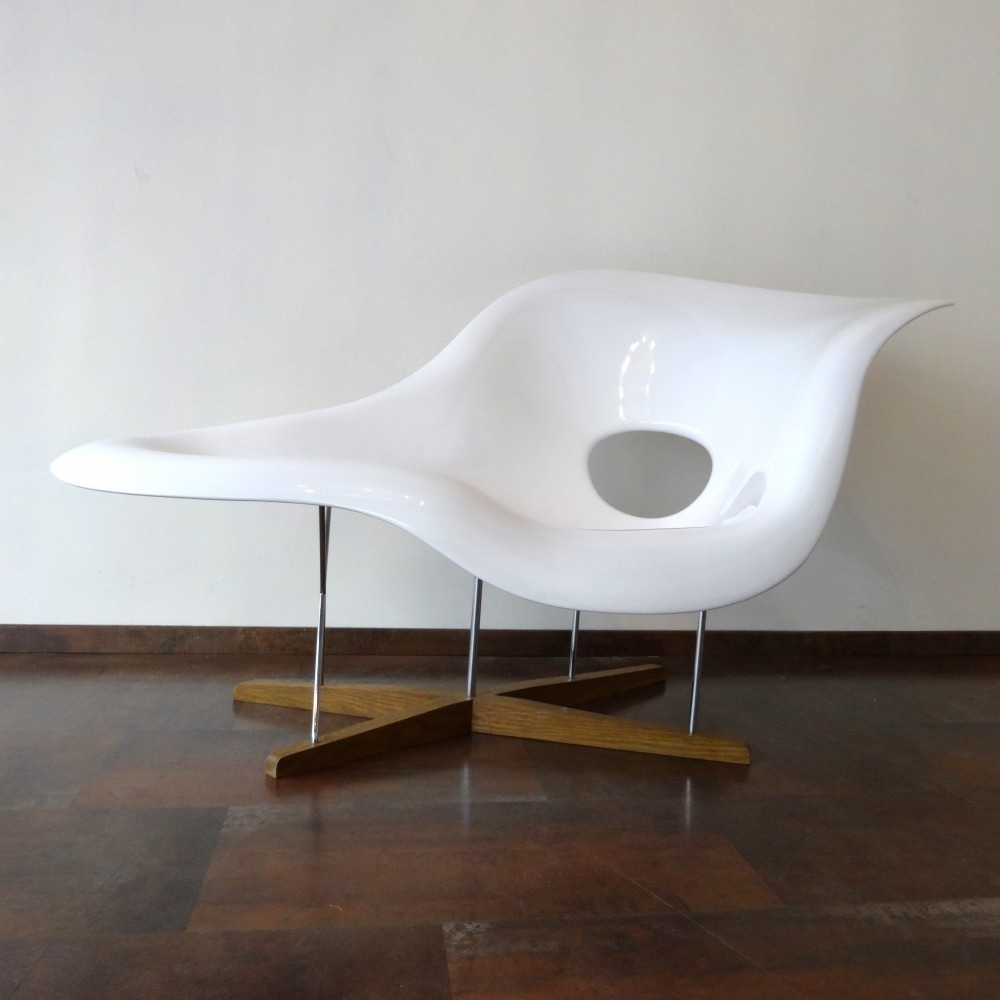 Located Using Retrostart > La Chaise Lounge Chaircharles Within Widely Used Une Chaise Lounges (View 2 of 15)