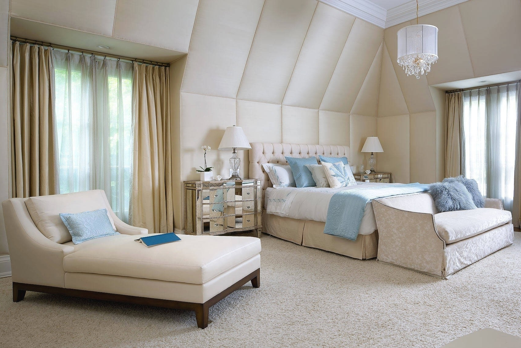 Lounge Chair : Bedroom Chaise Lounge Chairs In Wonderful Bedroom Throughout Well Liked Chaise Lounges For Bedroom (View 10 of 15)