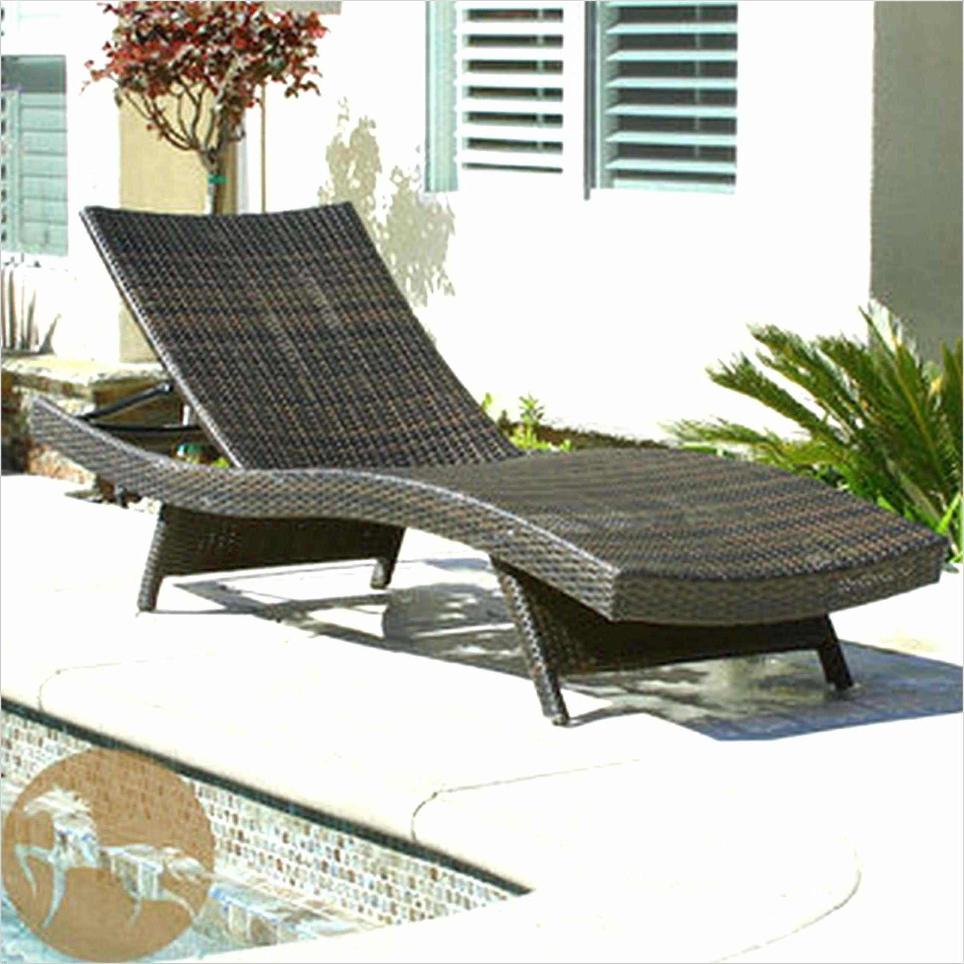 Lounge Chair : Chaise Lounge Chair Dimensions Lounge Chairs Pertaining To Fashionable Chaise Lounge Chairs In Toronto (View 8 of 15)