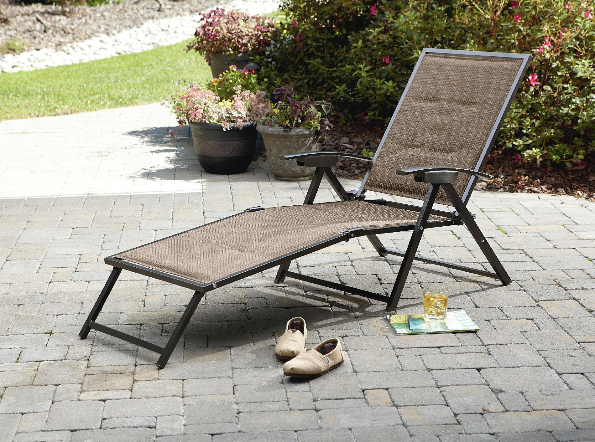 Maureen Outdoor Folding Chaise Lounge Chairs Inside Most Recent Folding Outdoor Chaise Lounge Chairs • Lounge Chairs Ideas (View 8 of 15)