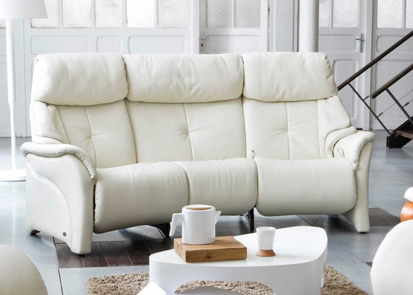 Midfurn Furniture Throughout Curved Recliner Sofas (View 9 of 15)