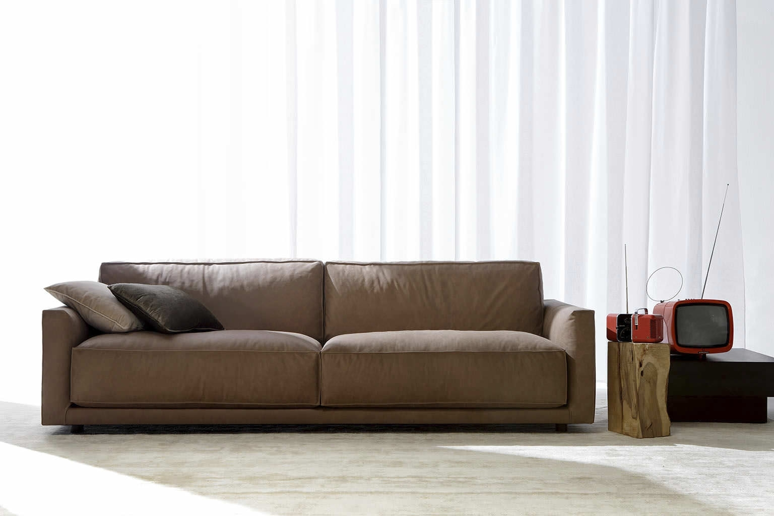 Modern Living Room Regarding Newest Modern Sofas (View 6 of 15)