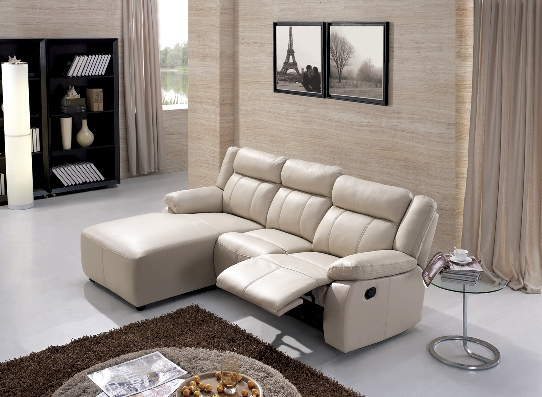 Modern Minimalist Living Room Design With White Leather Lazy Boy With Regard To Most Popular Lazy Boy Chaises (View 10 of 15)